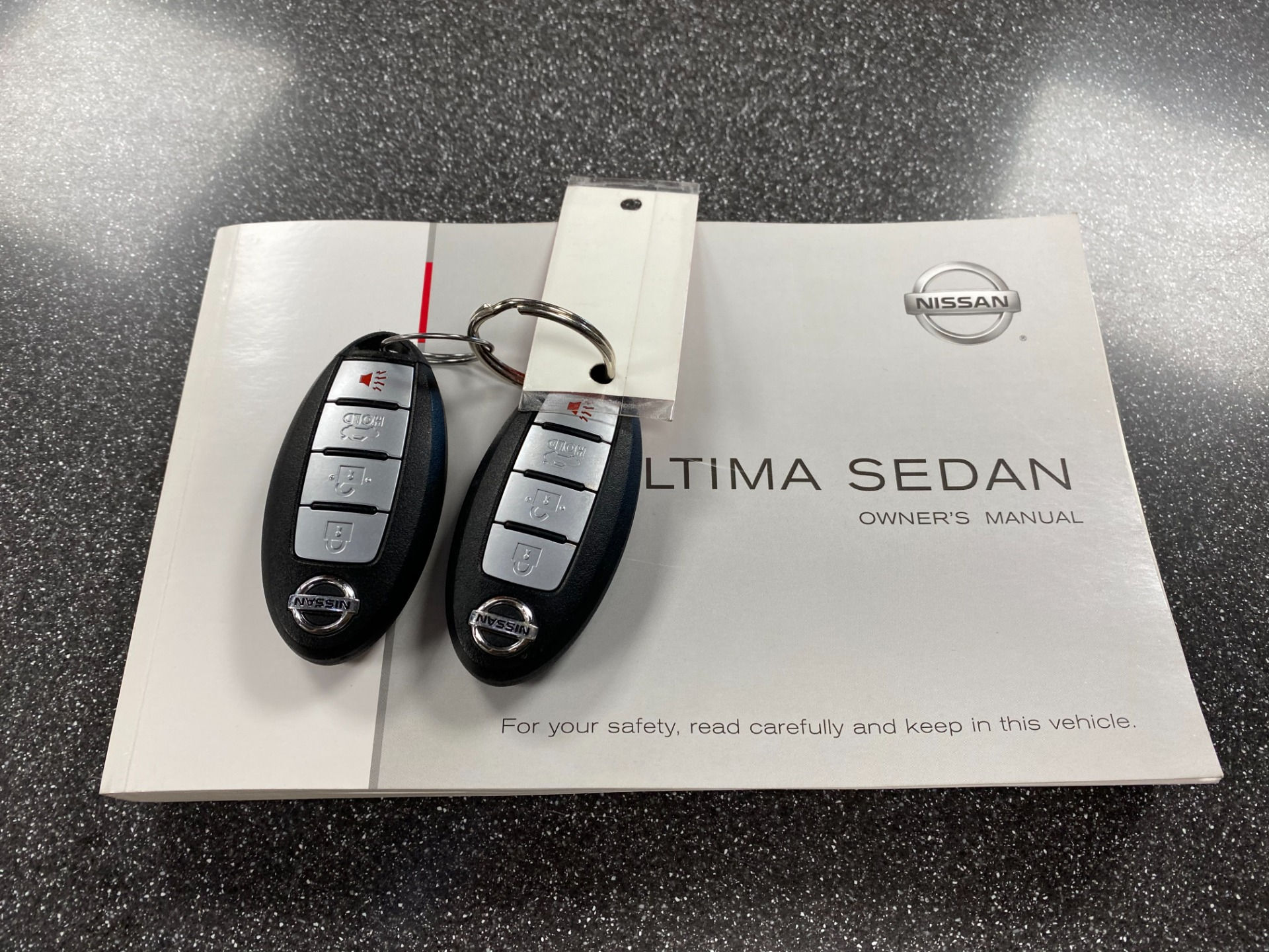 Used-2013-Nissan-Altima-25-FWD