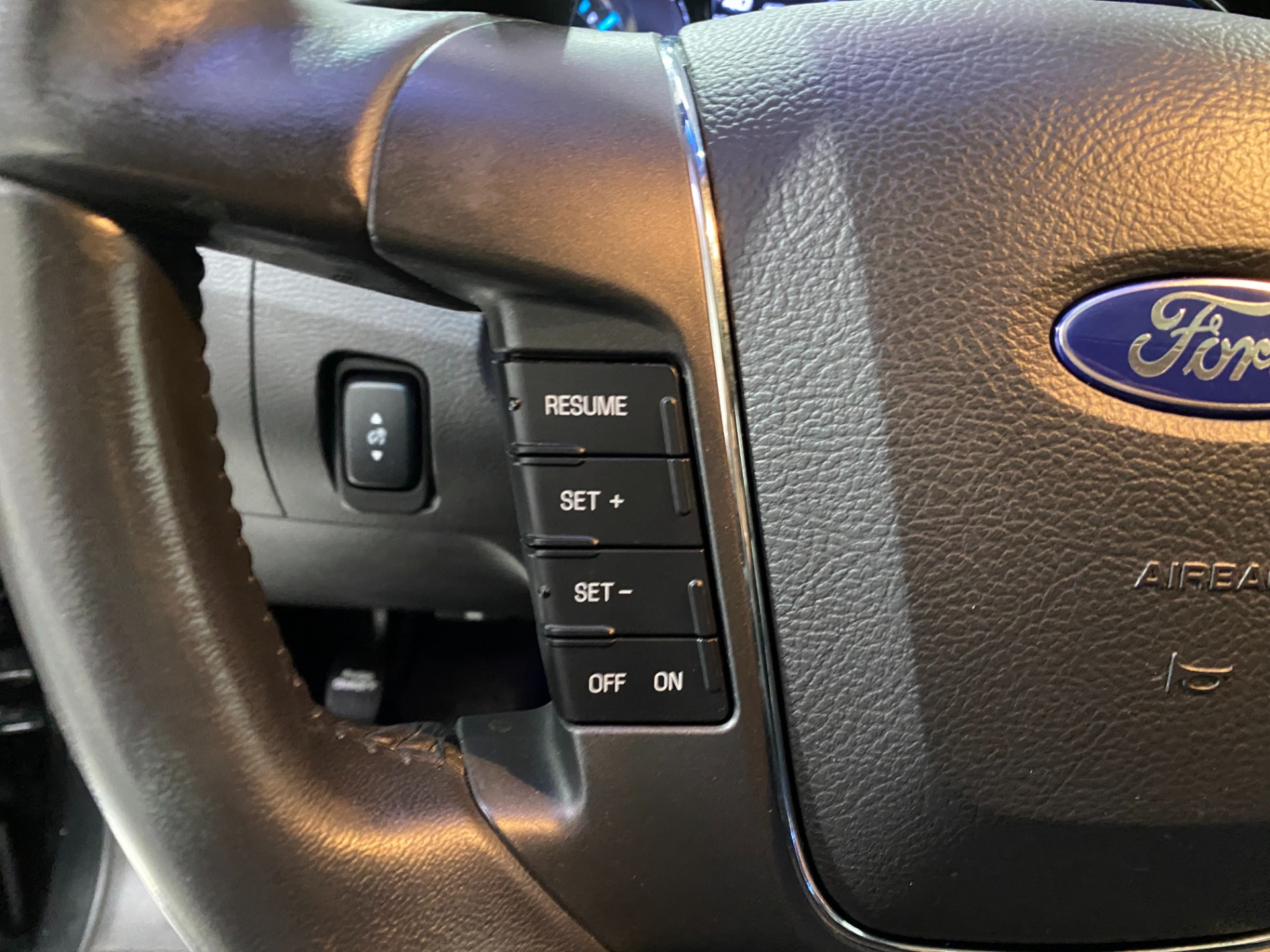 Used-2011-Ford-Taurus-Limited-FWD