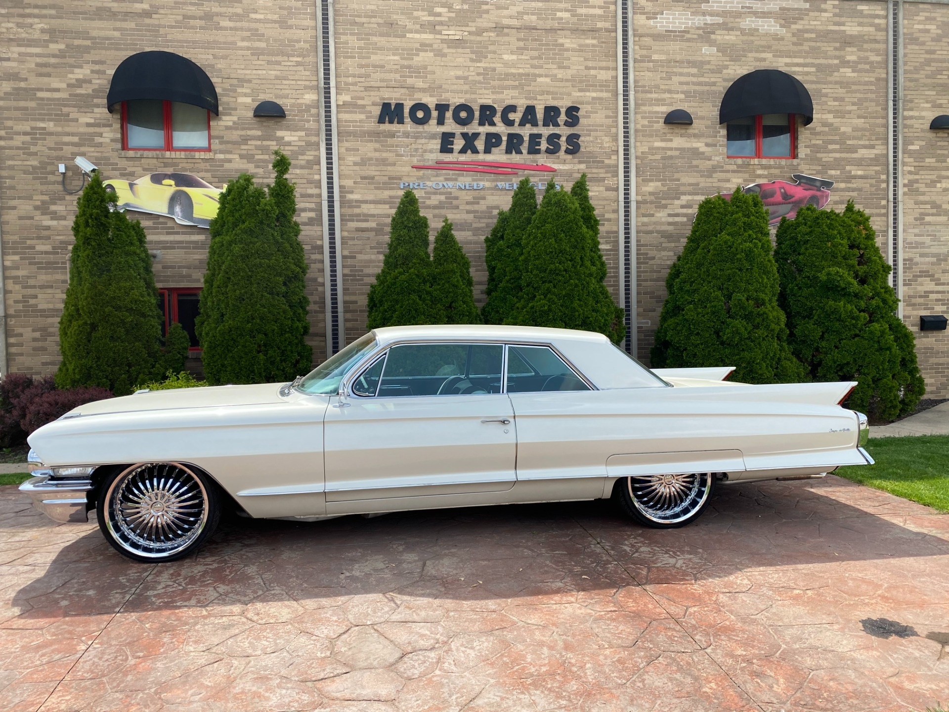 Used-1962-Cadillac-Coupe-DeVille