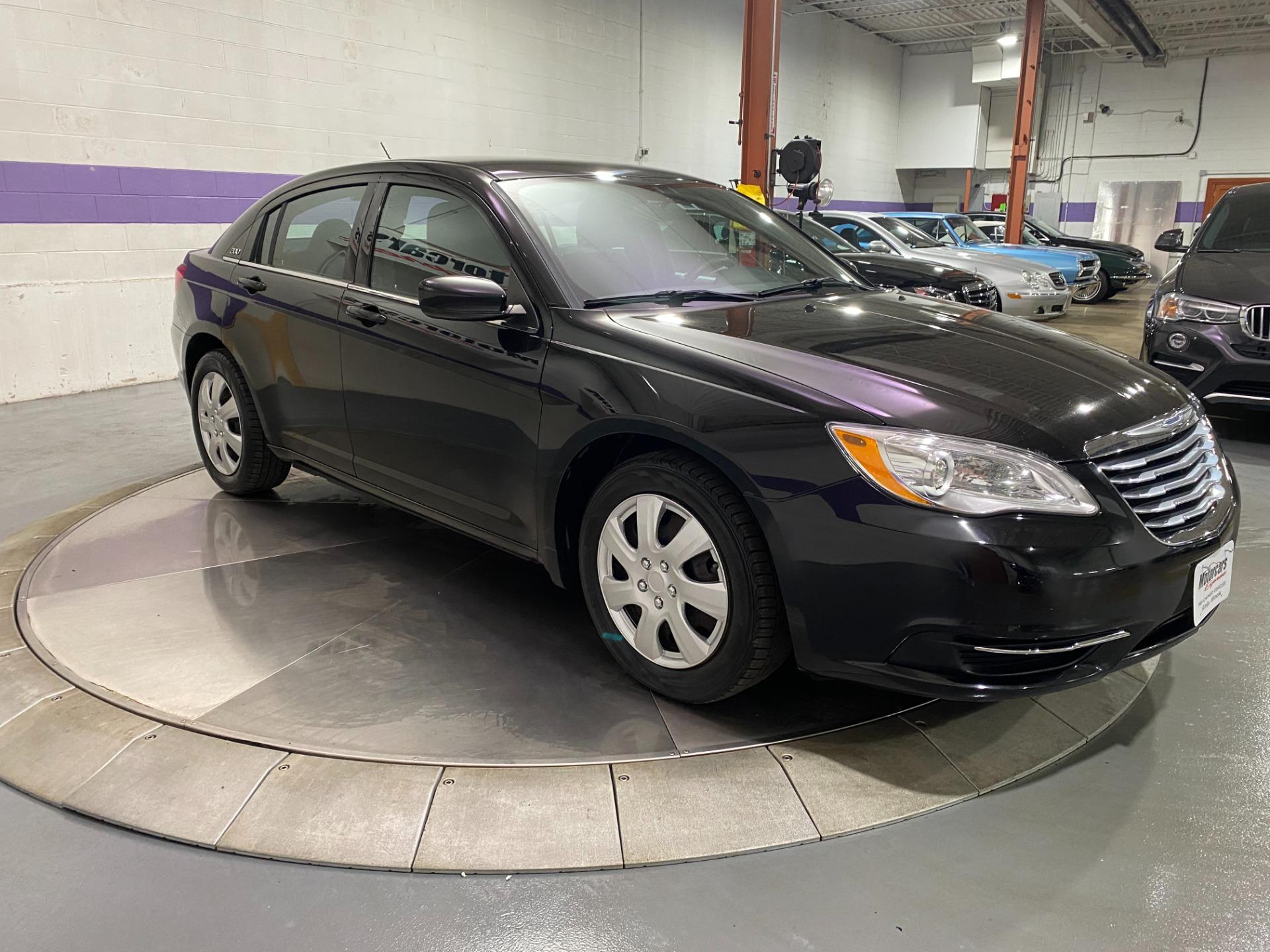 Used-2014-Chrysler-200-LX-FWD