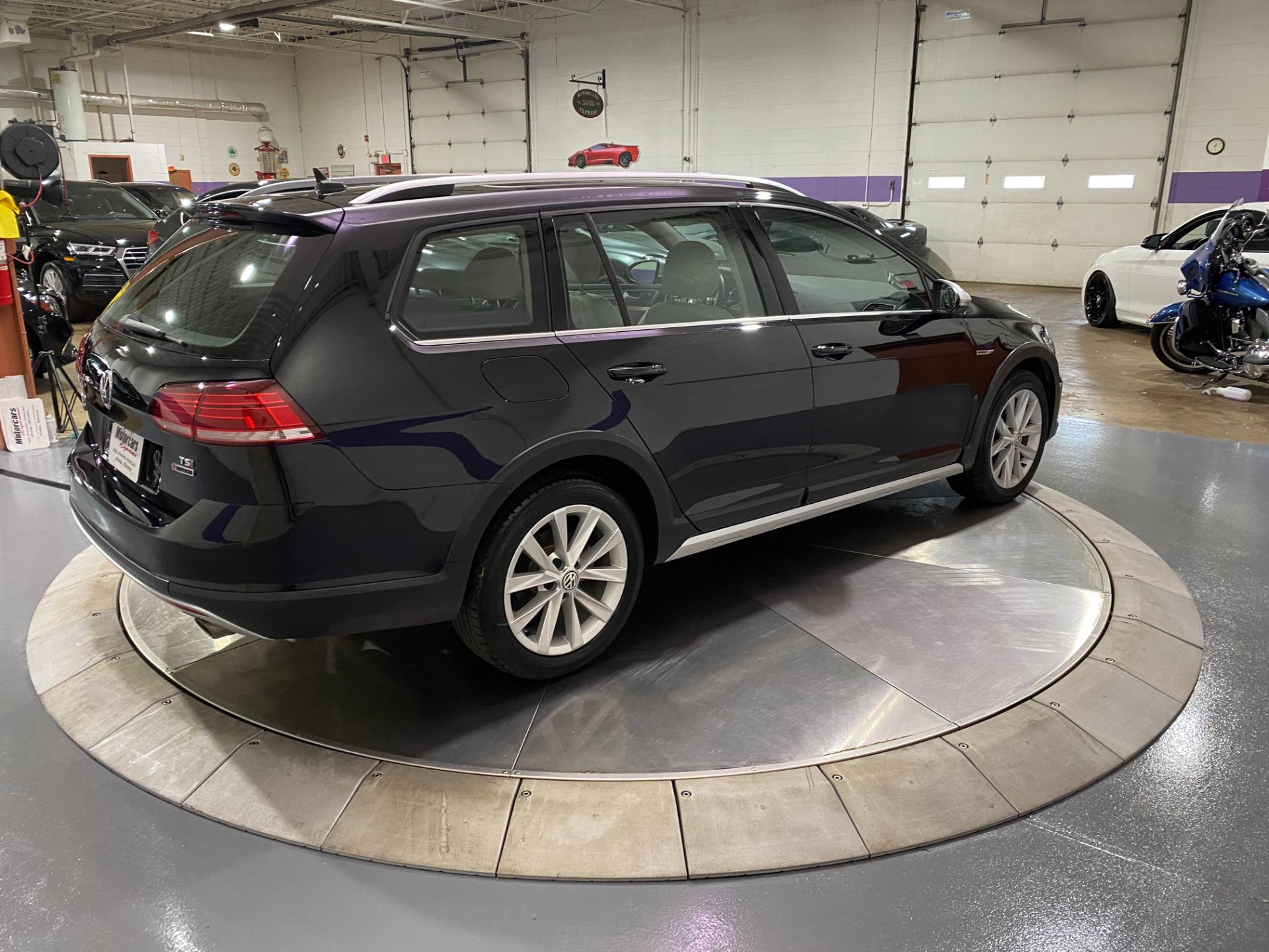 Used-2018-Volkswagen-Golf-Alltrack-TSI-S-4Motion