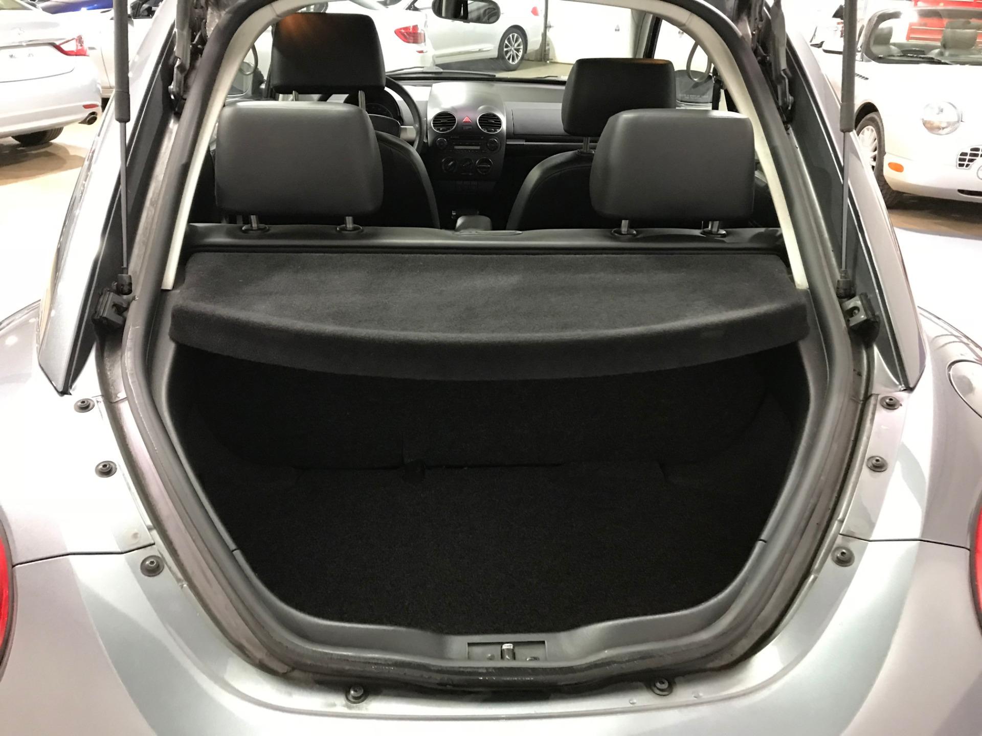 Used-2008-Volkswagen-New-Beetle-S