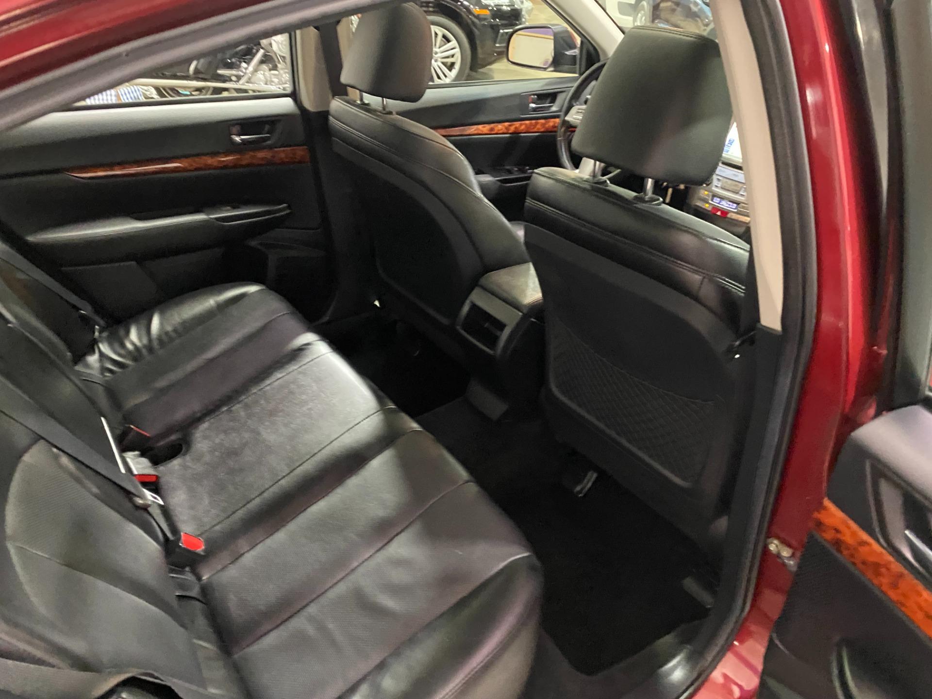 Used-2011-Subaru-Legacy-25i-Limited-AWD