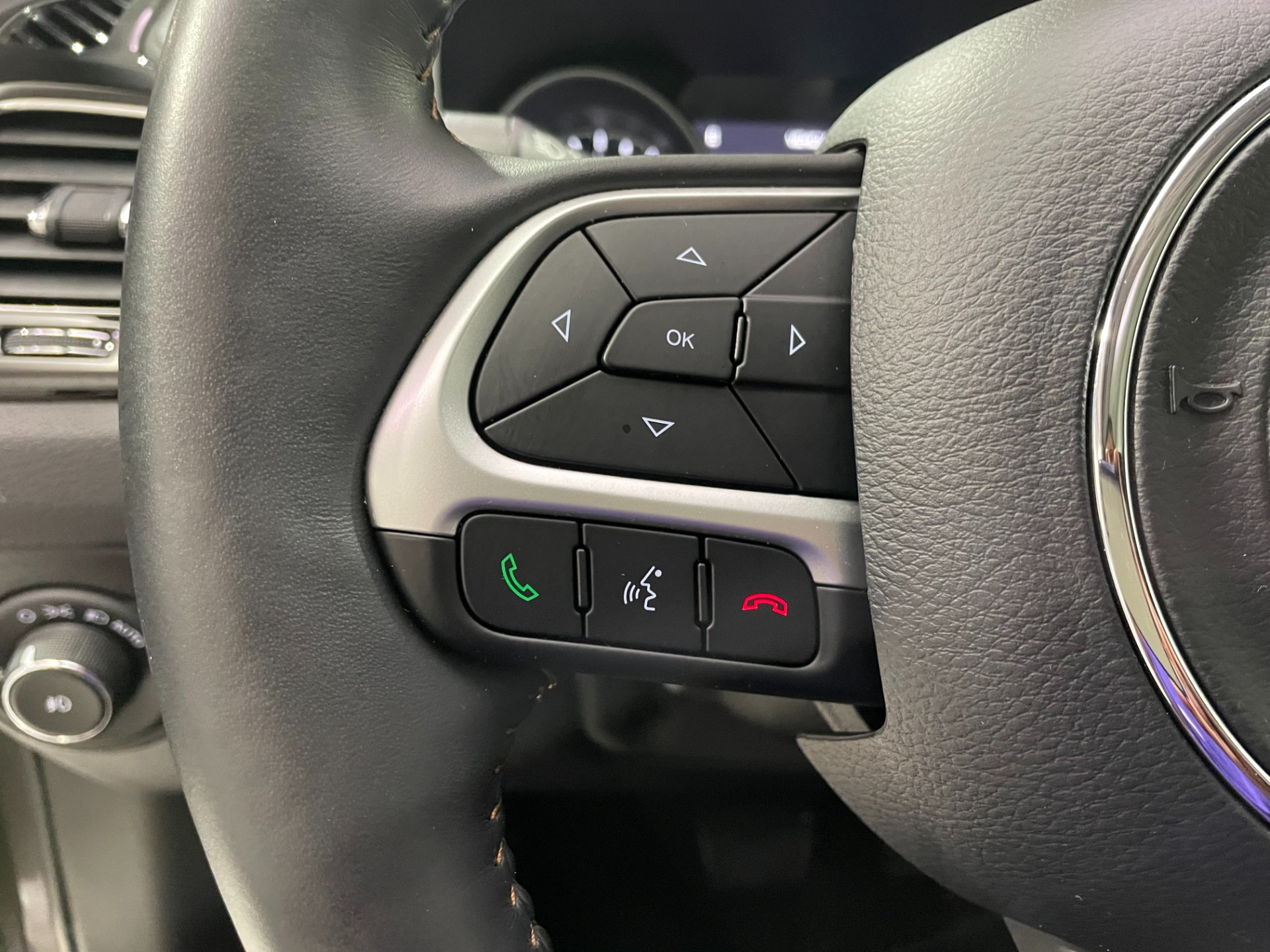 Used-2018-Jeep-Compass-Limited-4X4
