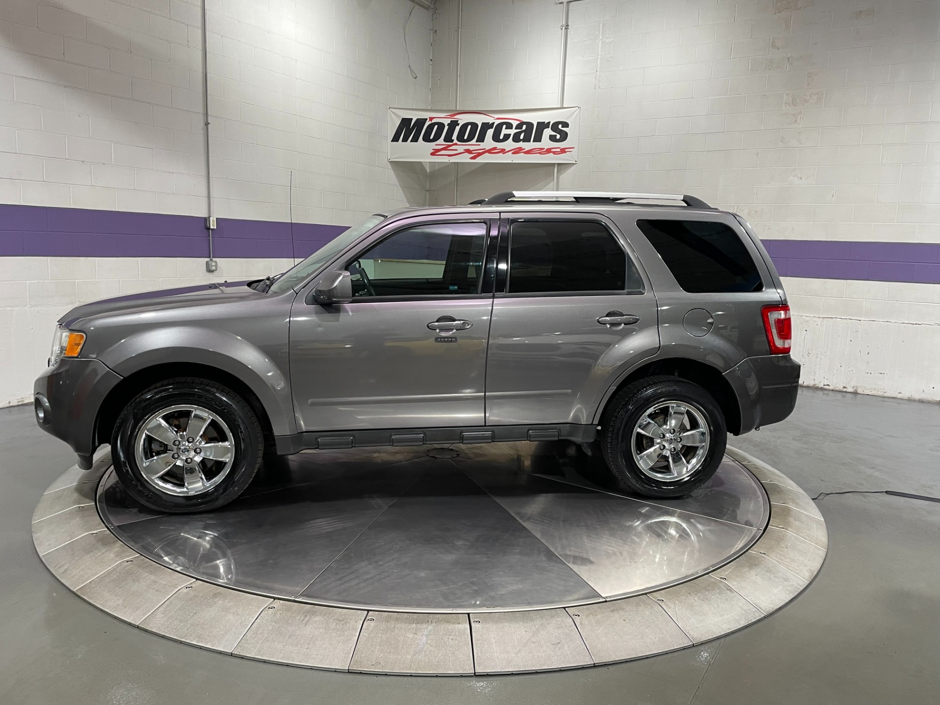 Used-2010-Ford-Escape-Limited-FWD