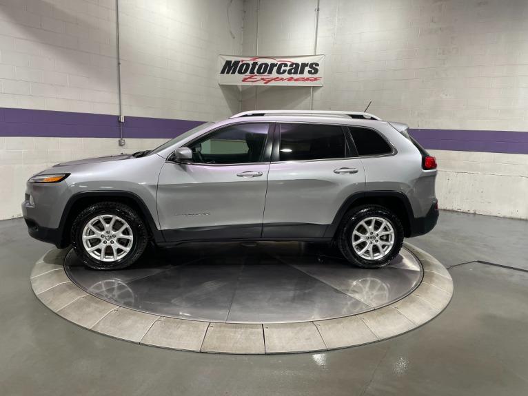 Used-2018-Jeep-Cherokee-Latitude-FWD