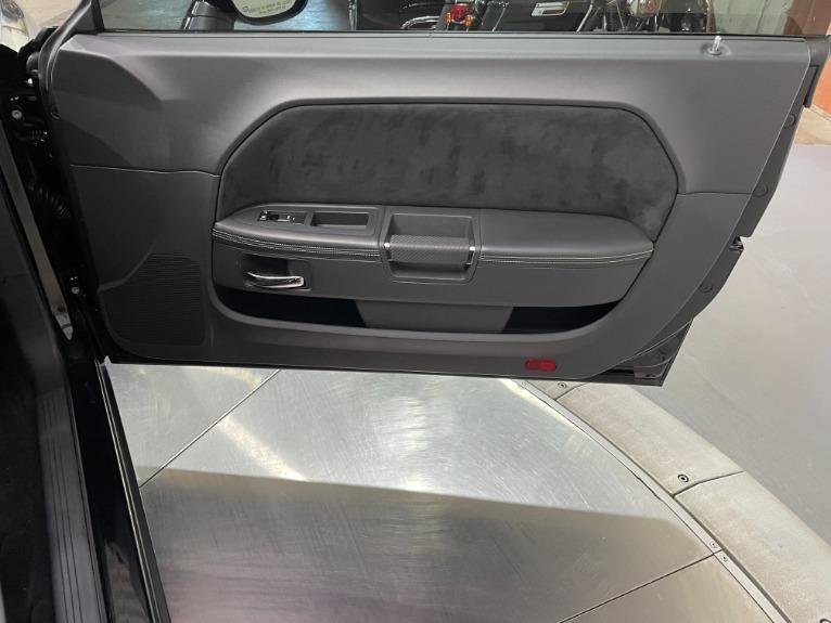 Used-2009-Dodge-Challenger-SRT8-Manual