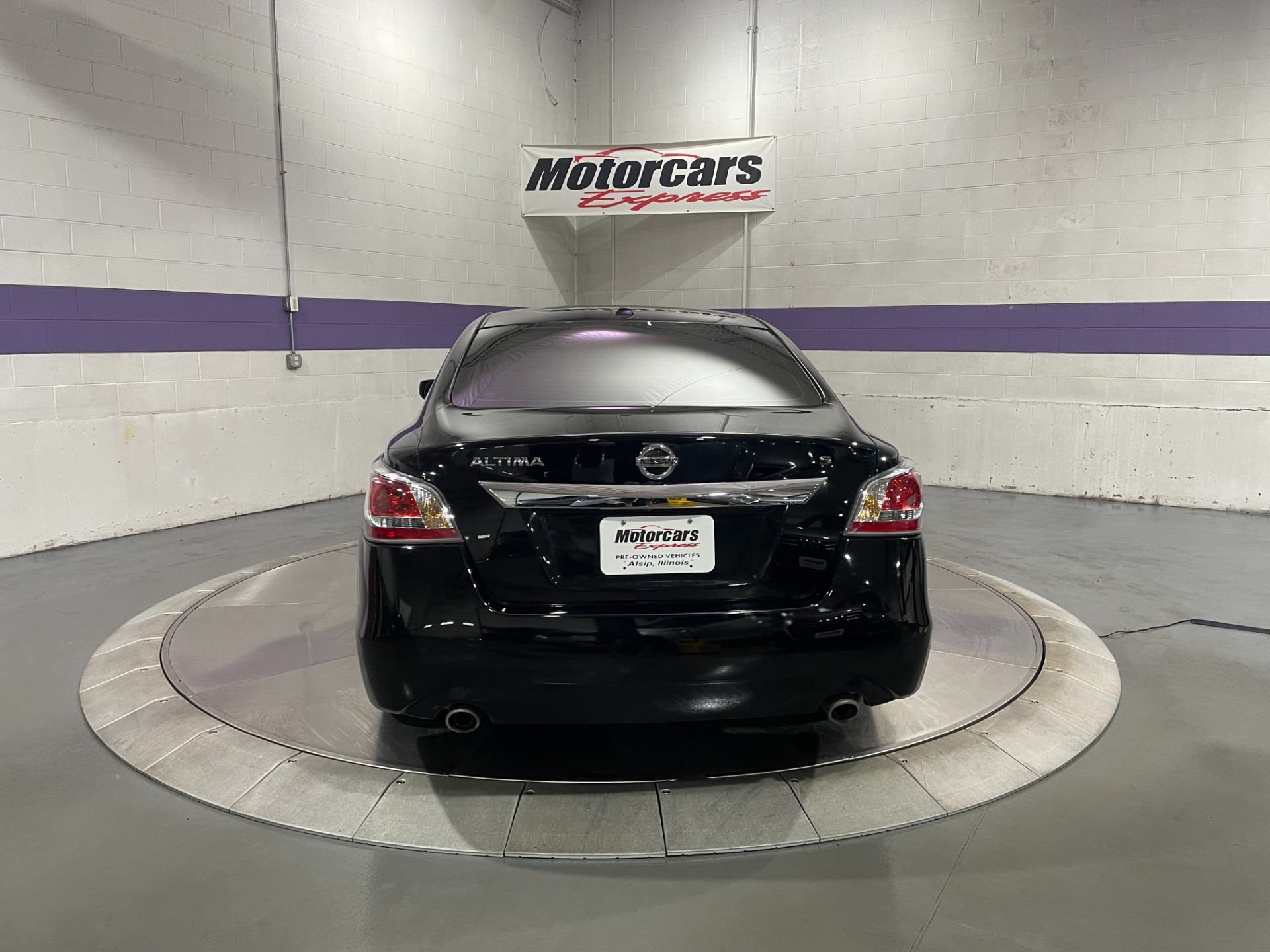 Used-2015-Nissan-Altima-25-S-FWD