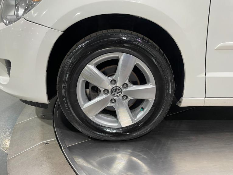 Used-2011-Volkswagen-Routan-SE-FWD