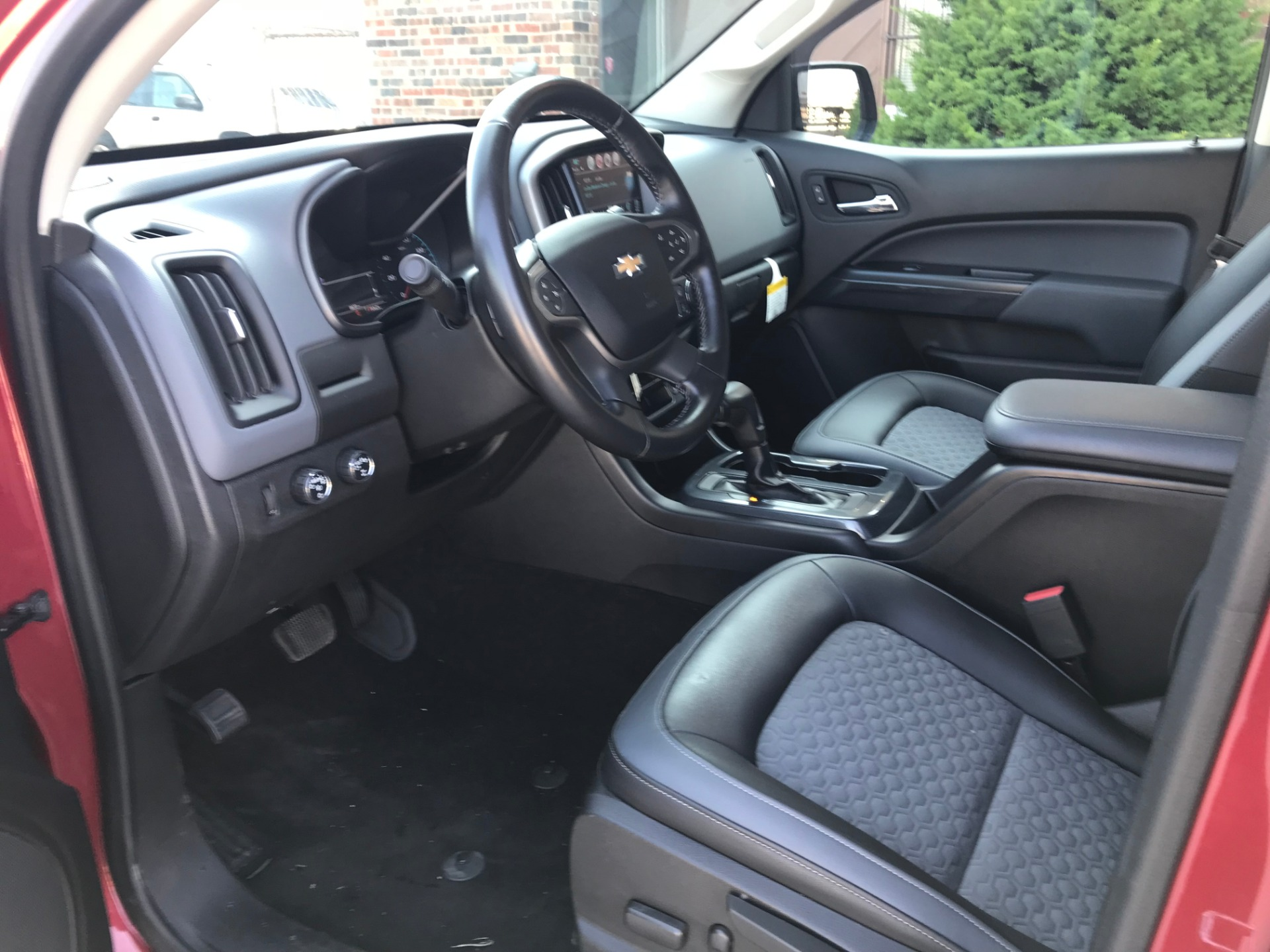 Used-2017-Chevrolet-Colorado-Z71