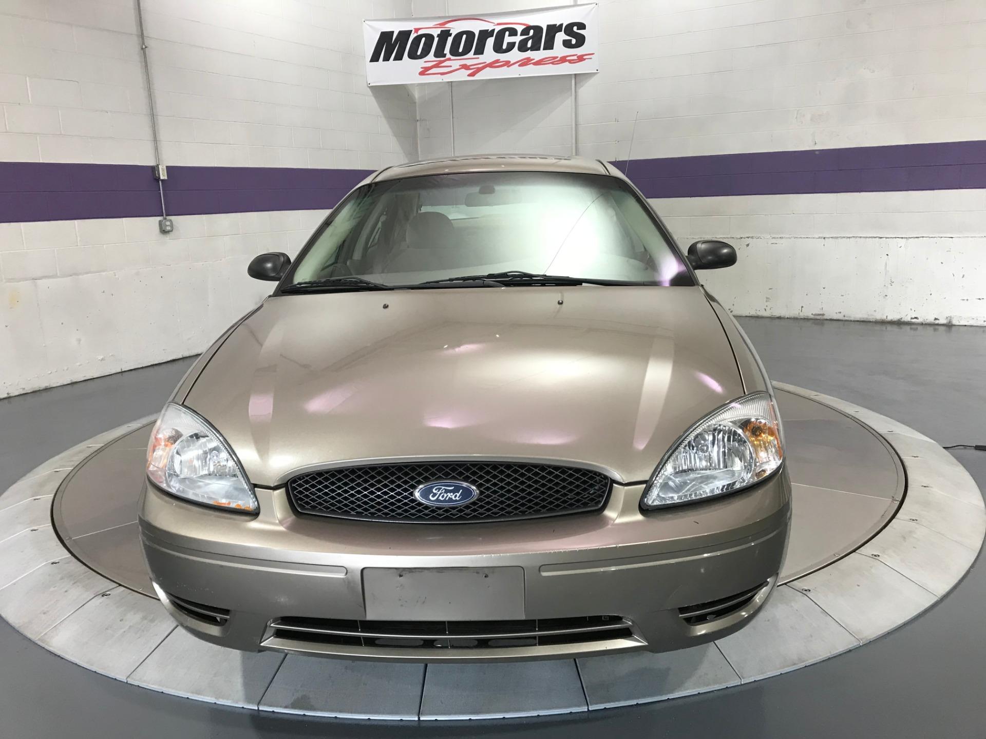 Used-2005-Ford-Taurus-SE