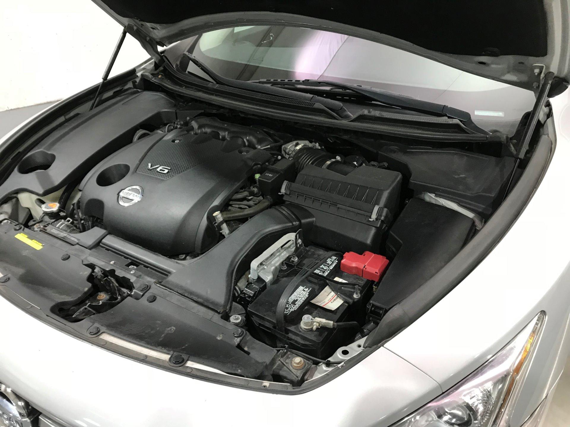 Used-2013-Nissan-Maxima-35-SV