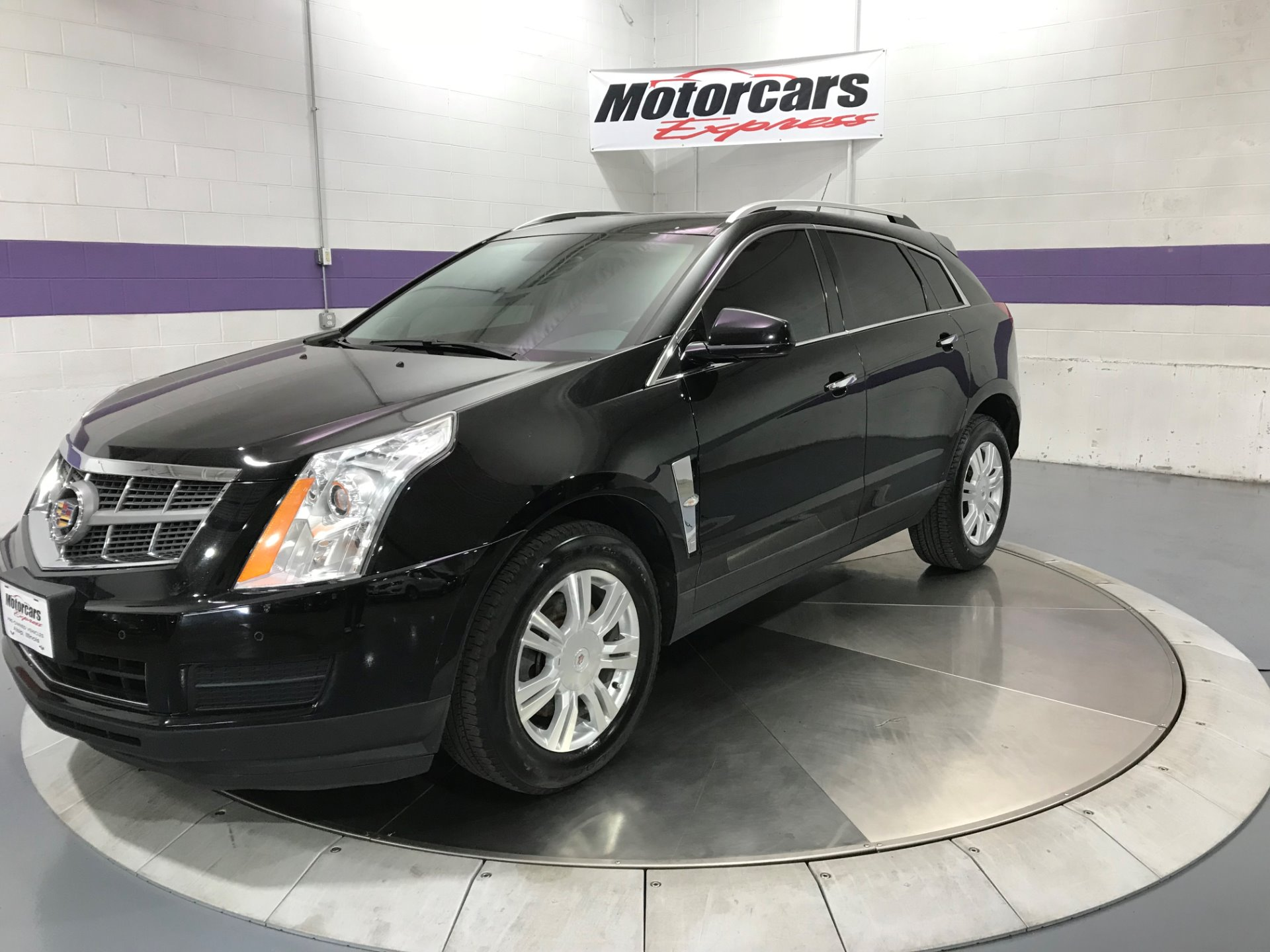 Used-2010-Cadillac-SRX-Luxury-Collection