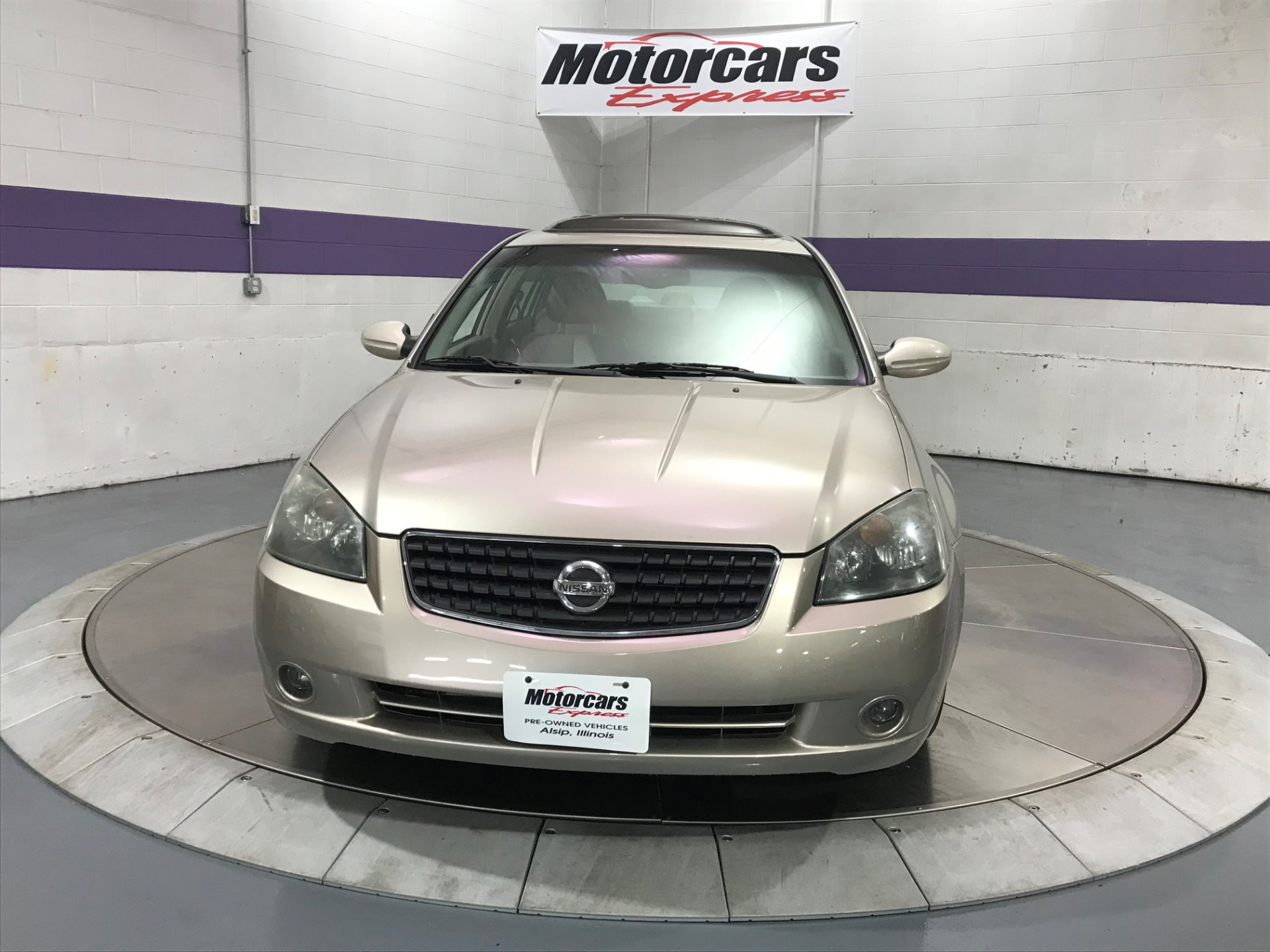 Used-2006-Nissan-Altima-35-SE