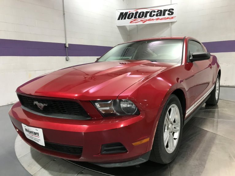 Used-2010-Ford-Mustang-V6