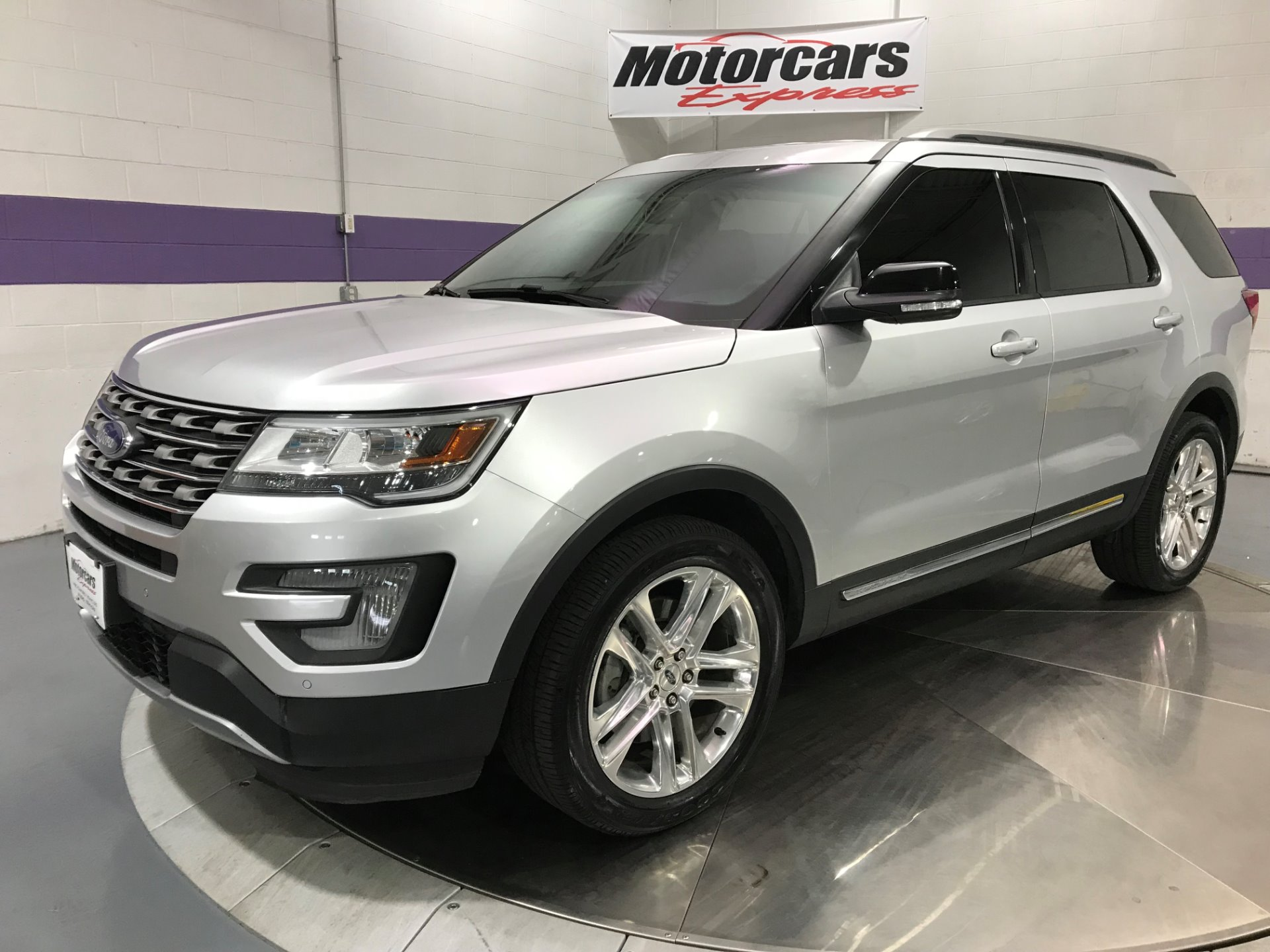 2016 ford explorer xlt awd stock 24587 for sale near alsip il il ford dealer. Black Bedroom Furniture Sets. Home Design Ideas
