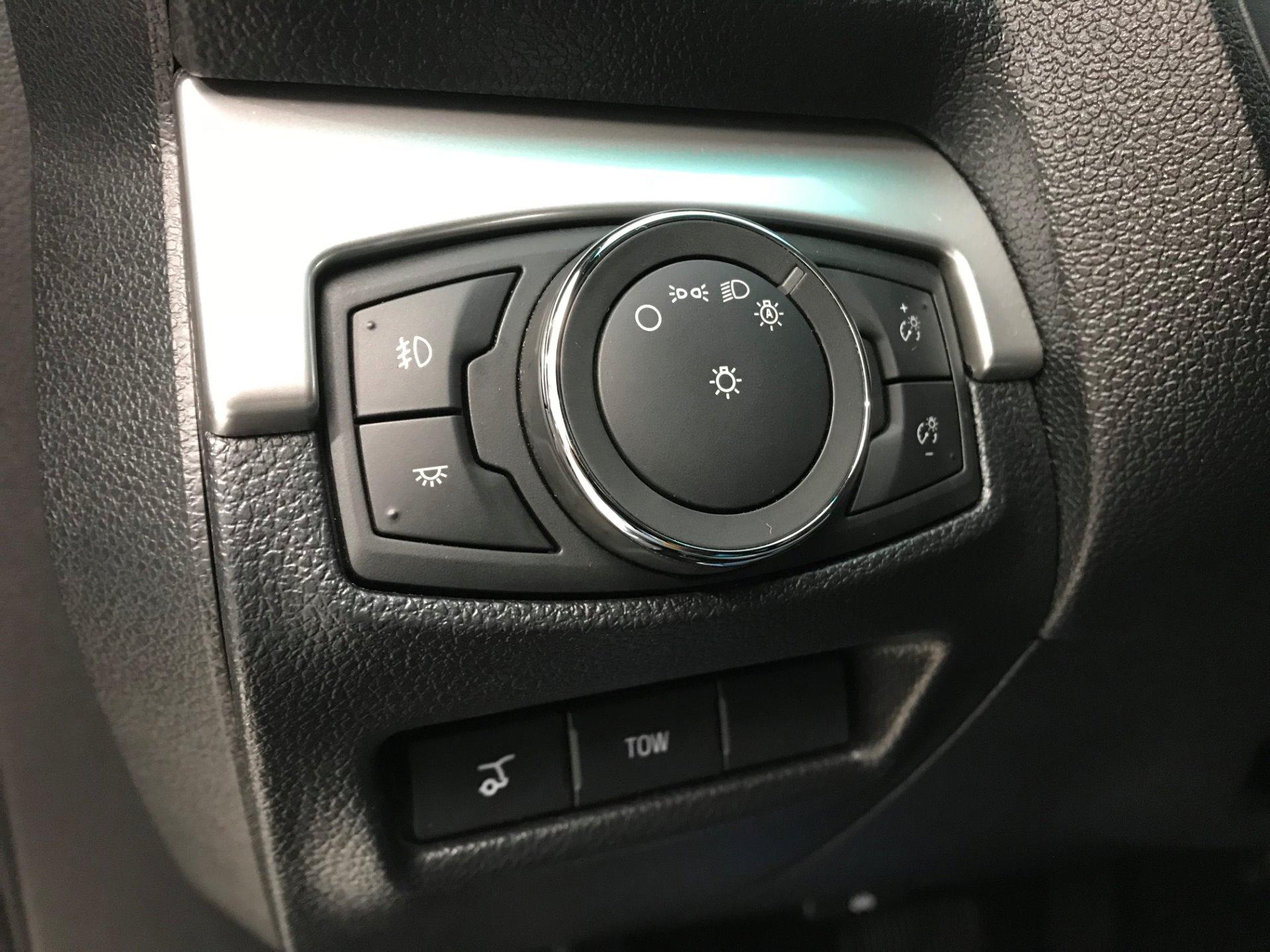 Used-2016-Ford-Explorer-XLT-AWD