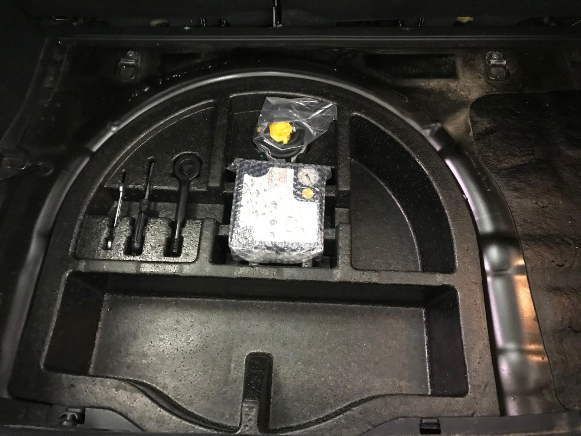 Used-2013-Hyundai-Veloster-Turbo