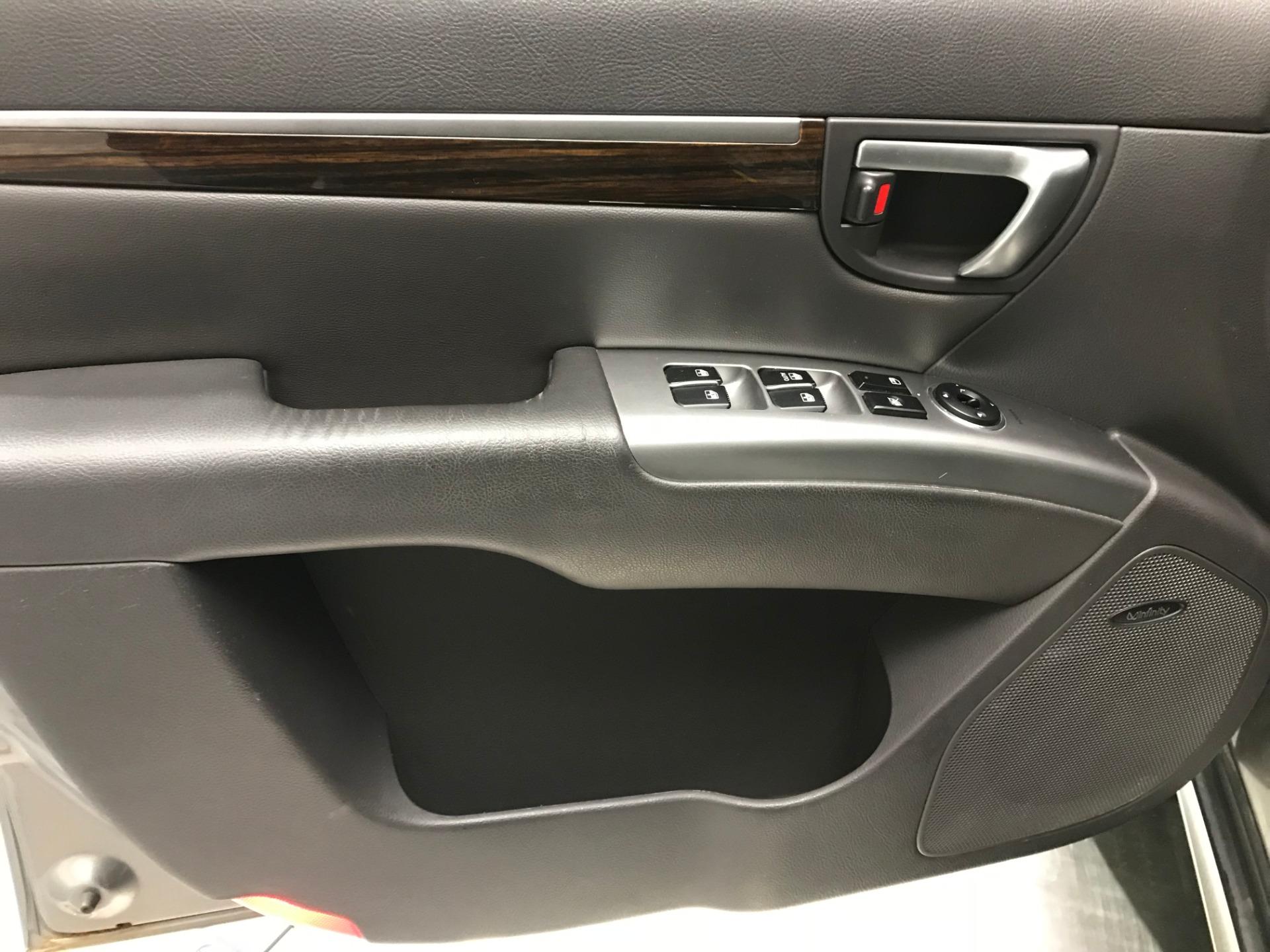 Used-2011-Hyundai-Santa-Fe-Limited