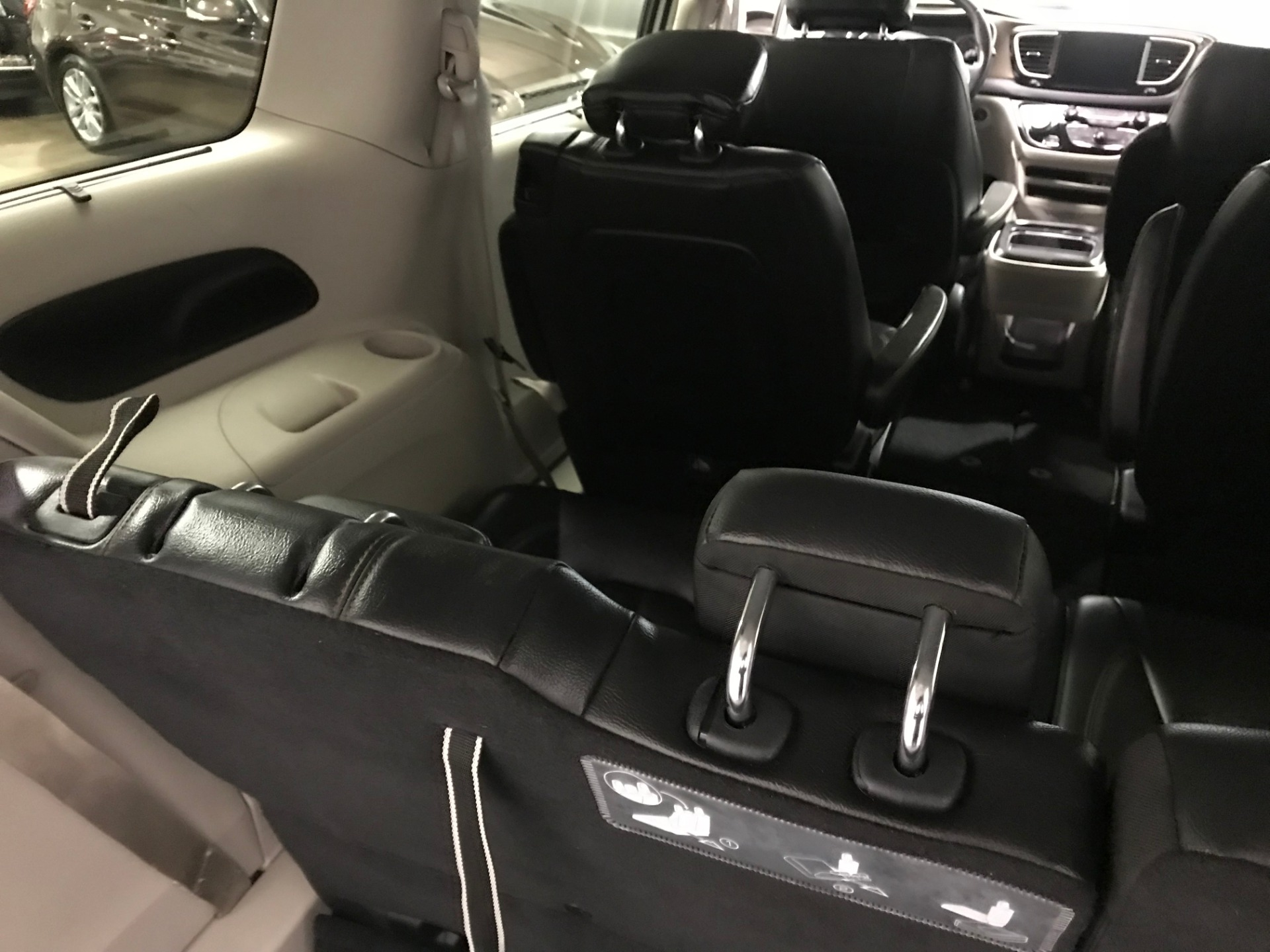 Used-2017-Chrysler-Pacifica-Touring-L