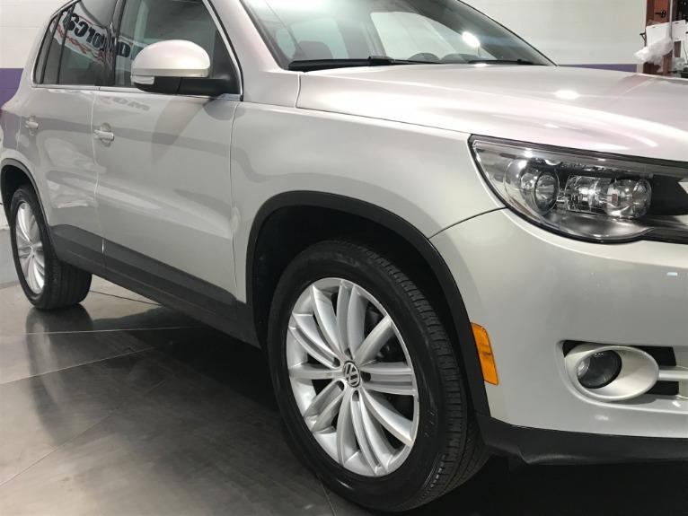 Used-2010-Volkswagen-Tiguan-SE-4Motion