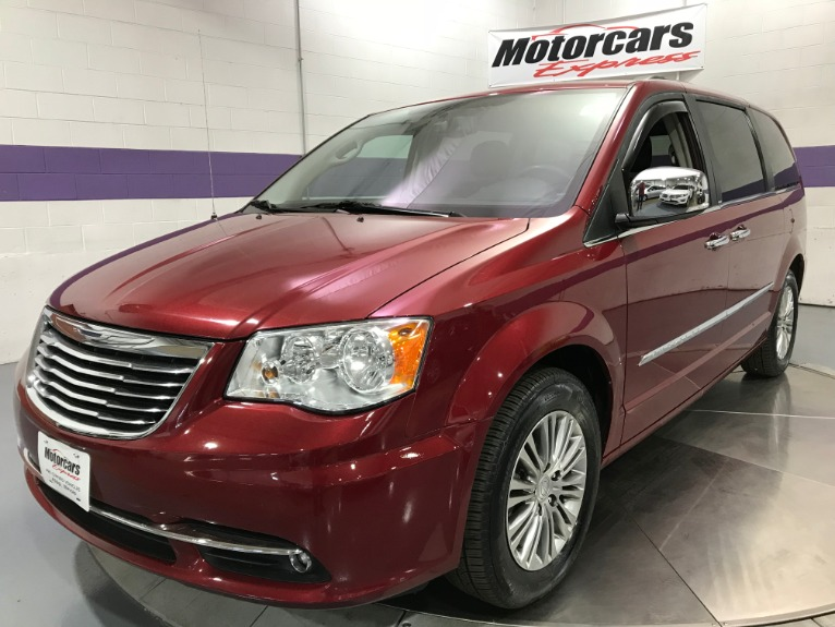 Used-2013-Chrysler-Town-and-Country-Touring-L