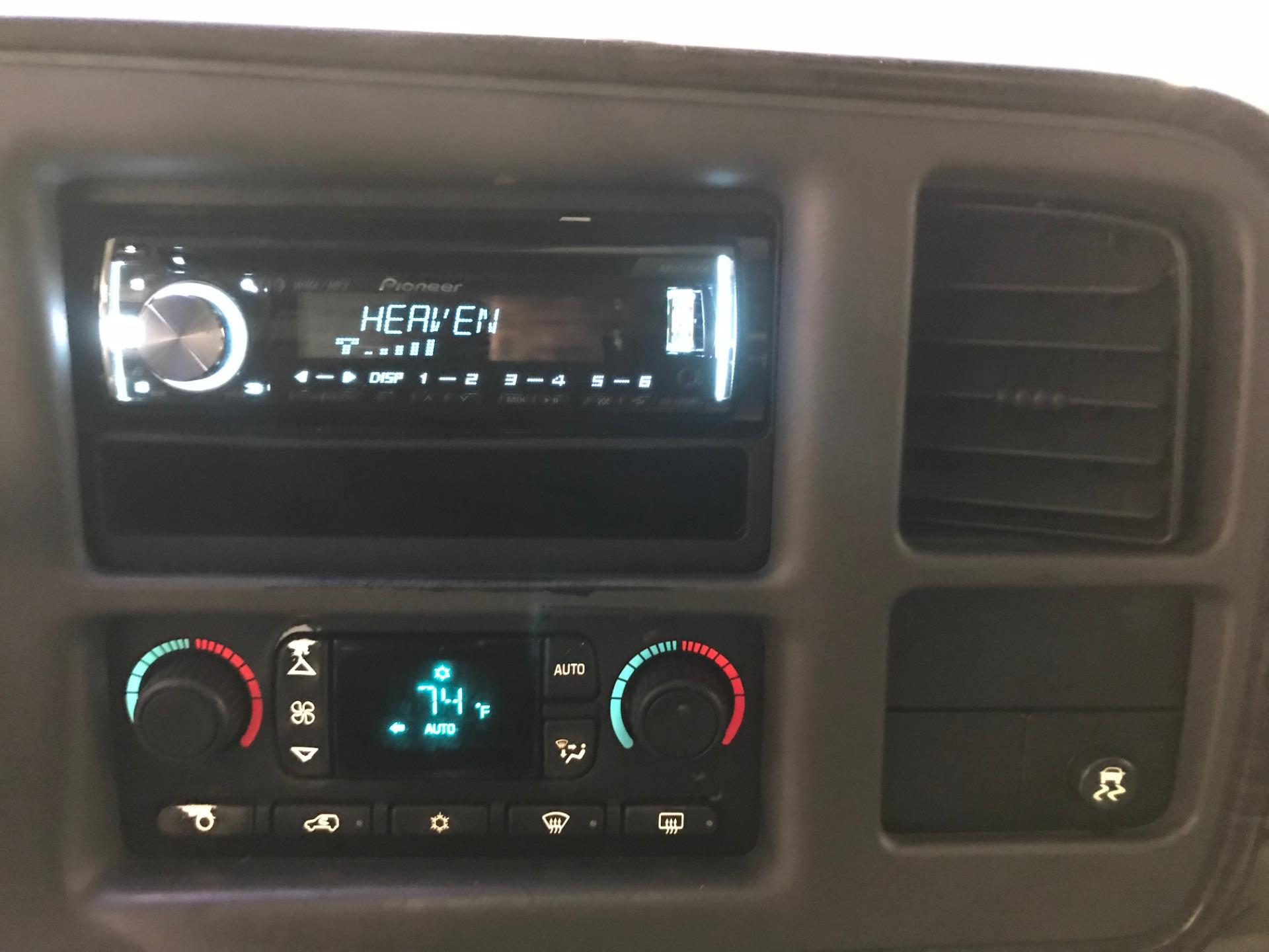 Used-2004-GMC-Yukon-Denali-AWD-Limited-Edition