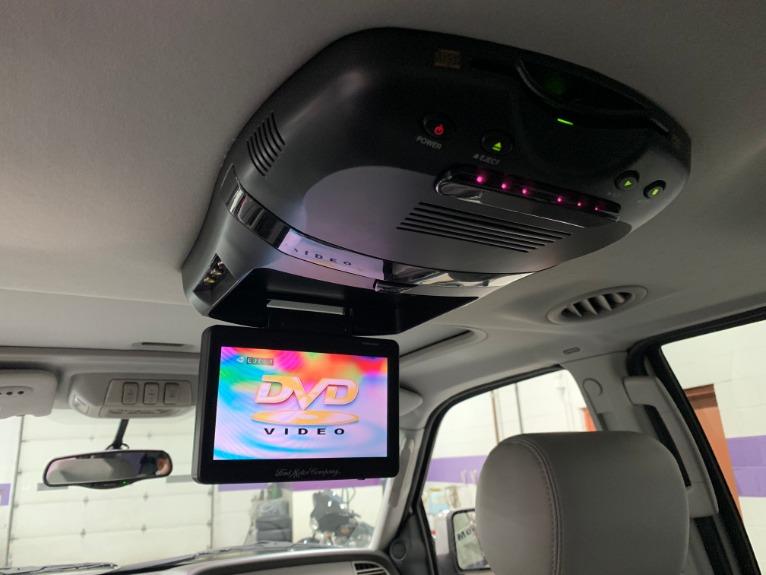 Used-2004-Lincoln-Navigator-Luxury