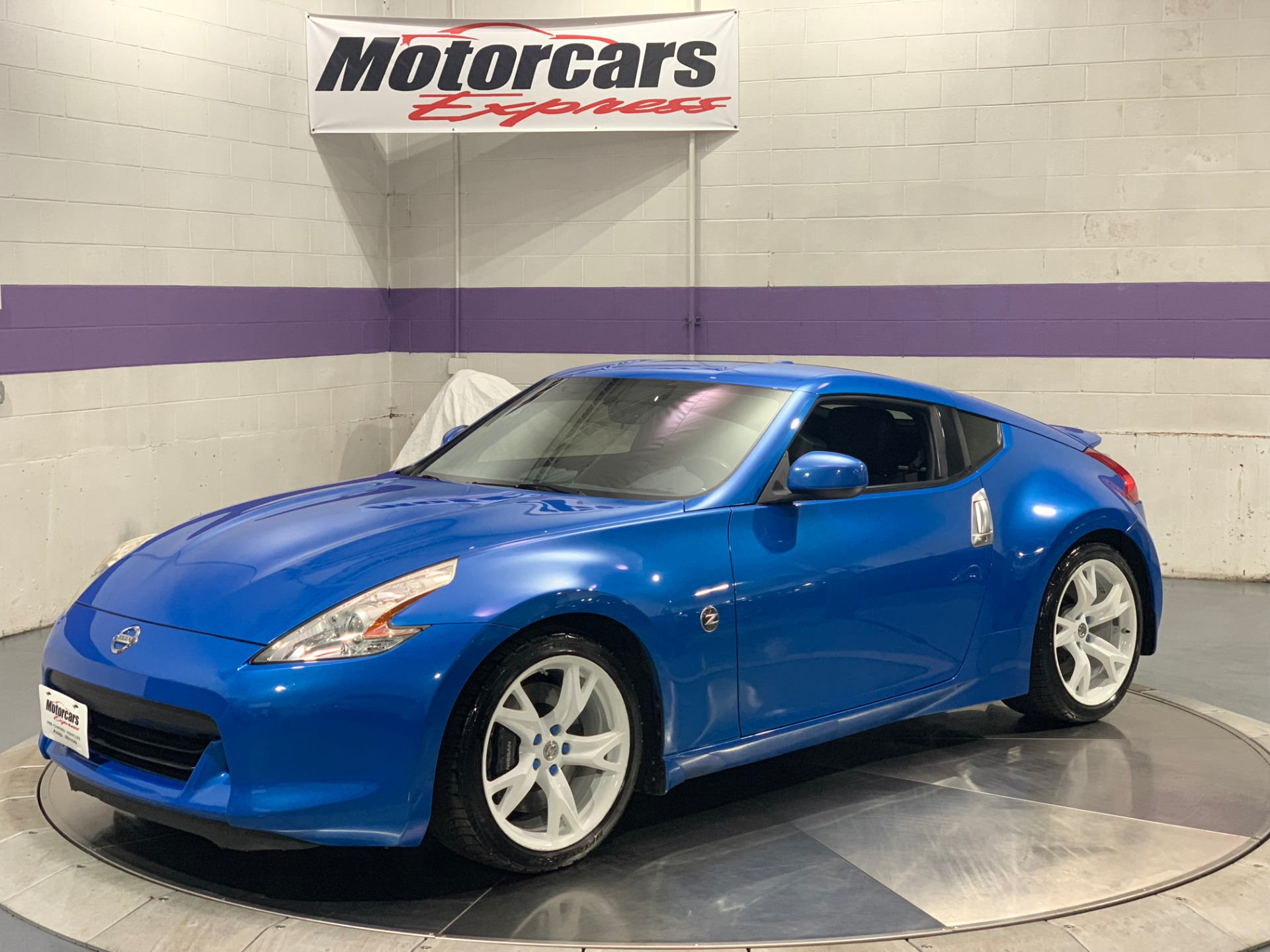 Used-2009-Nissan-370Z-Touring