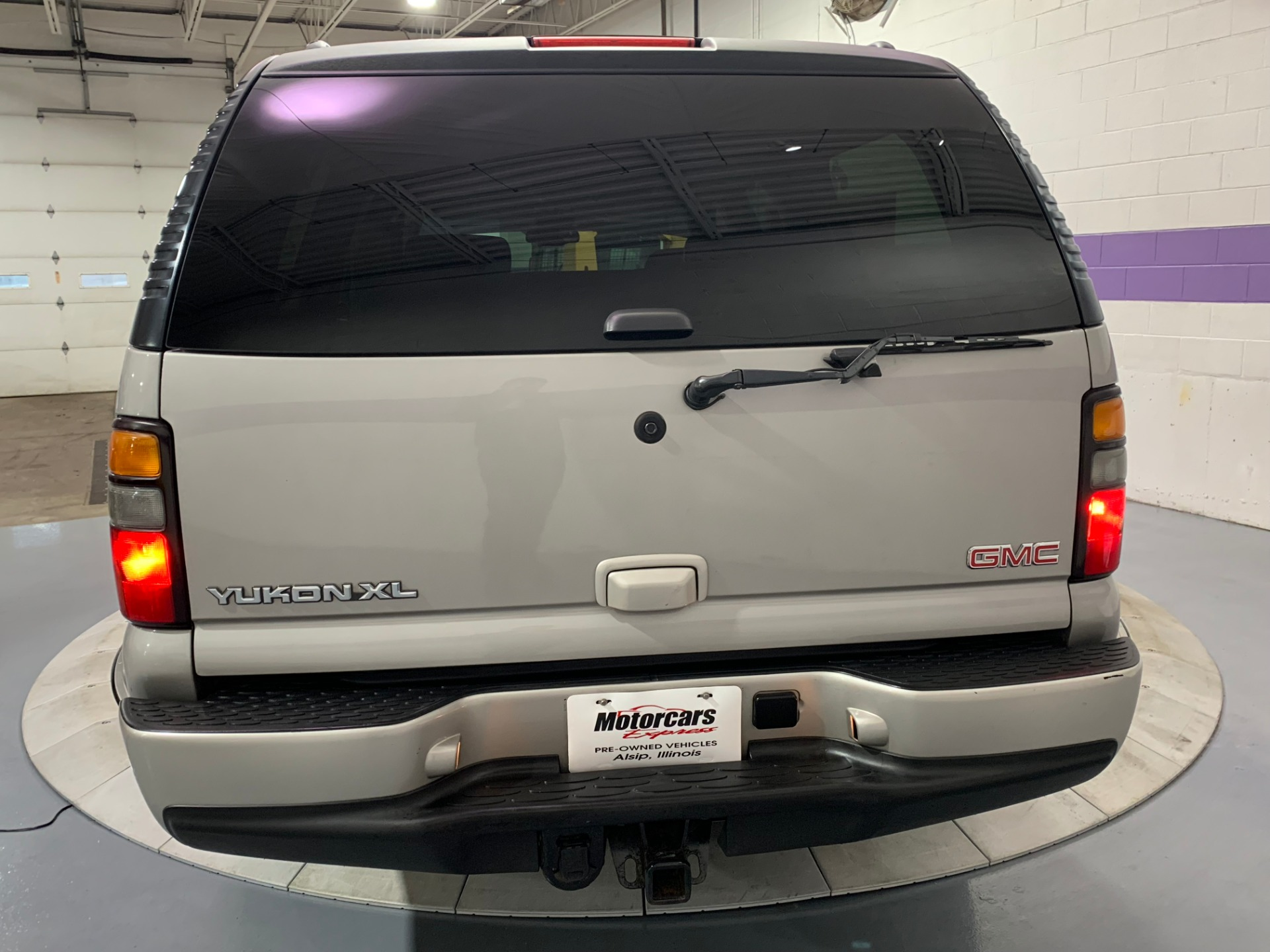 Used-2006-GMC-Yukon-XL-Denali