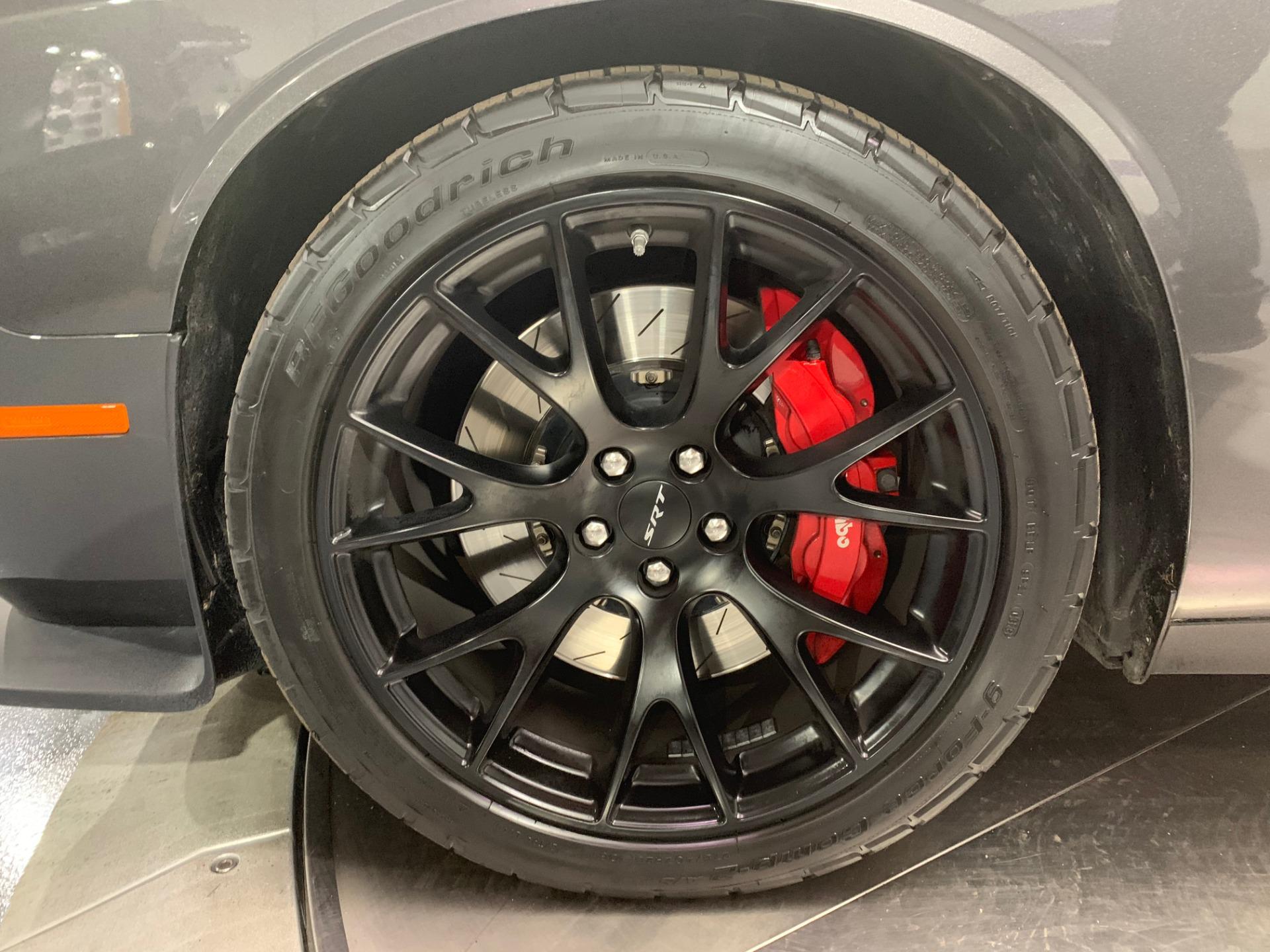 Used-2016-Dodge-Challenger-SRT-Hellcat