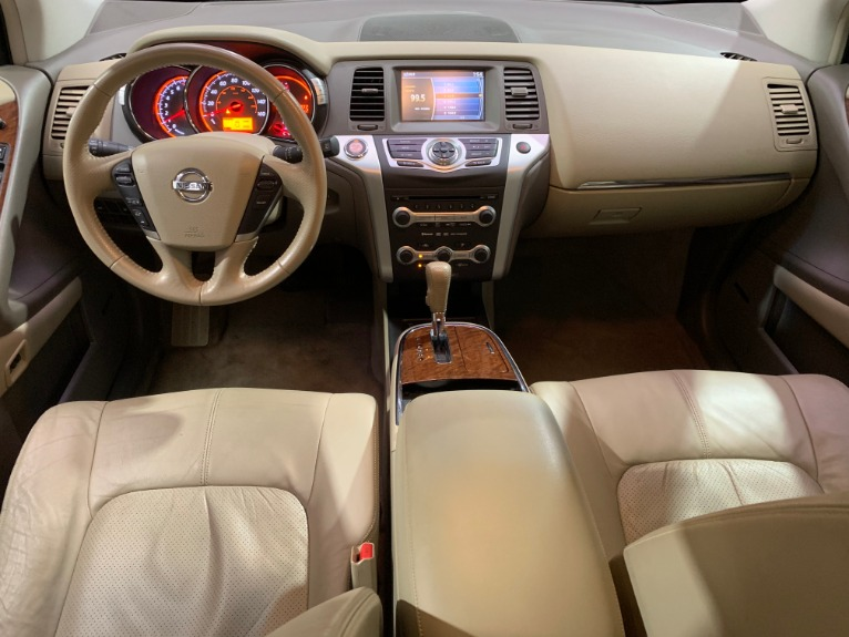 Used-2009-Nissan-Murano-LE