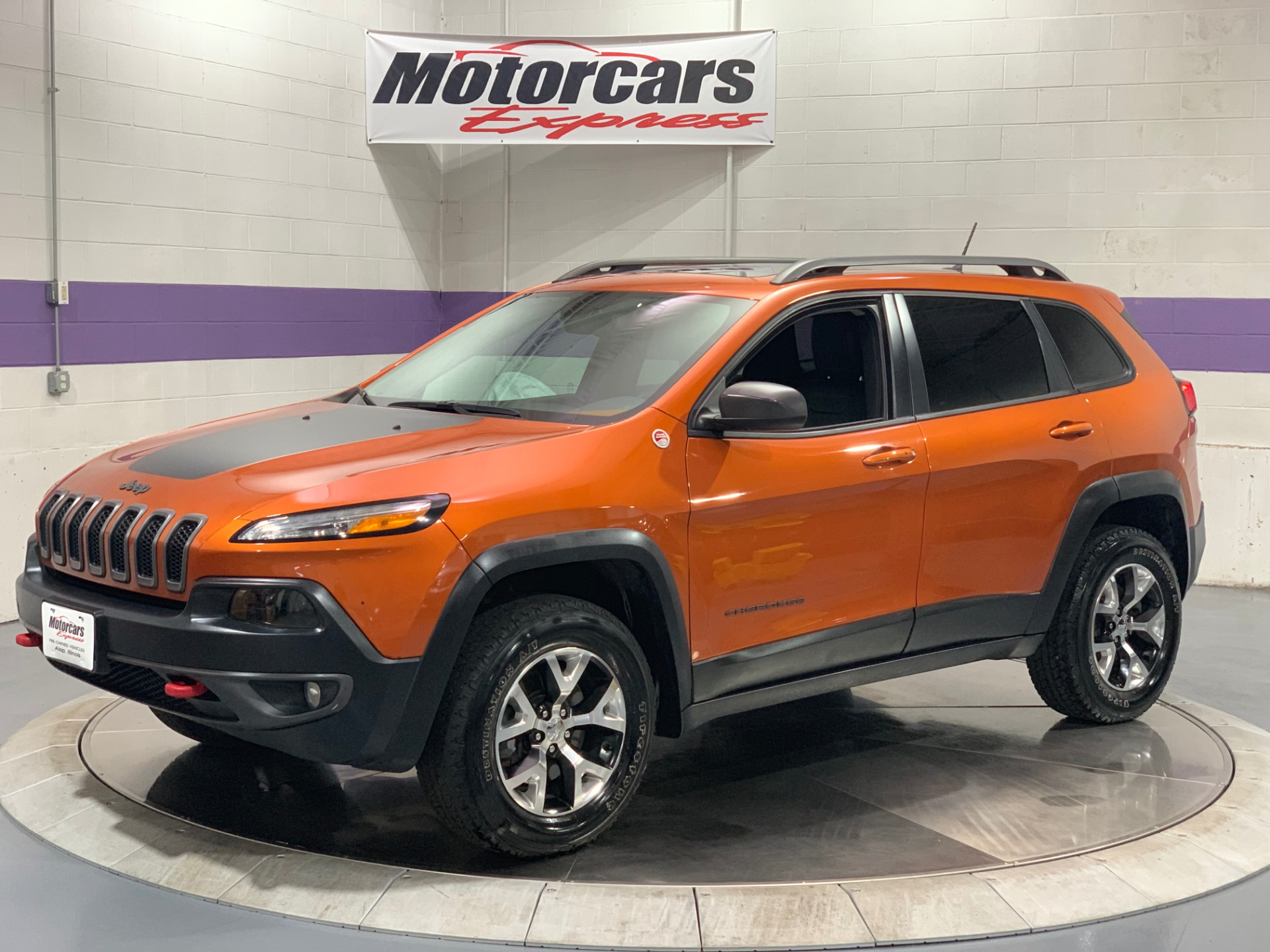 Used-2015-Jeep-Cherokee-Trailhawk