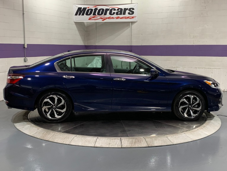 Used-2017-Honda-Accord-EX