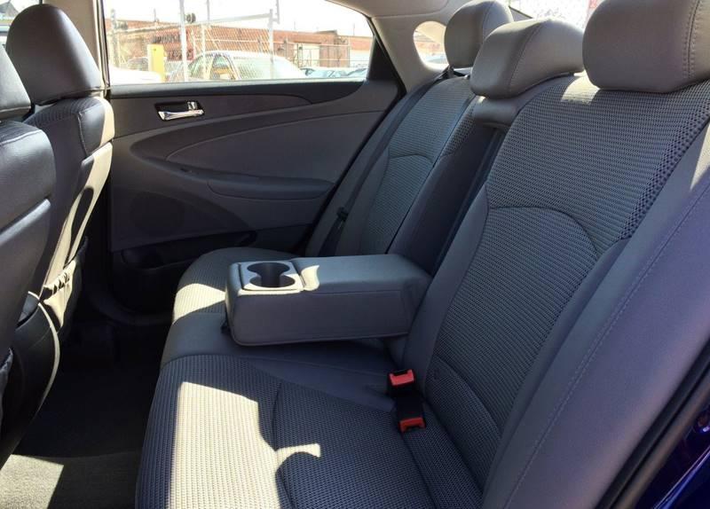 Used-2011-Hyundai-Sonata-SE-4dr-Sedan-6A