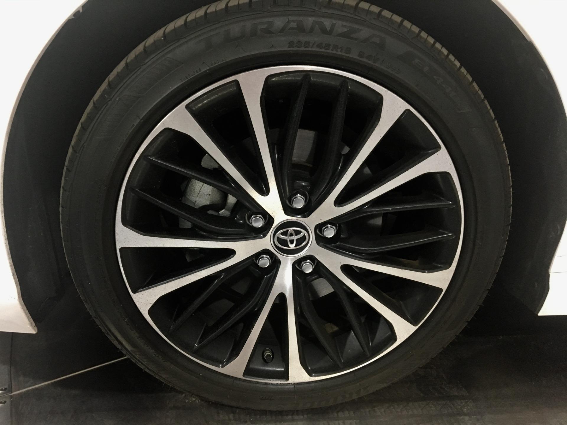 Used-2018-Toyota-Camry-SE-4dr-Sedan