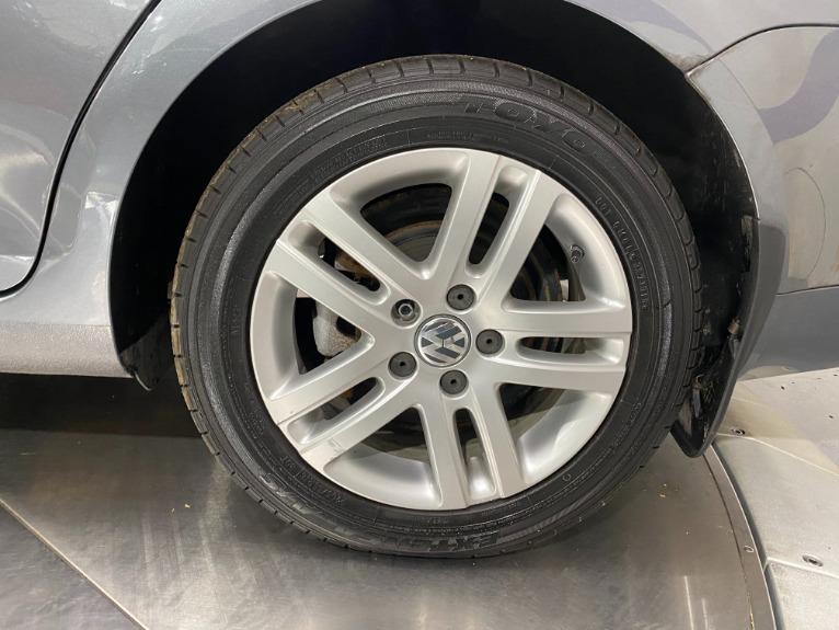 Used-2007-Volkswagen-Jetta-Wolfsburg-Edition-FWD