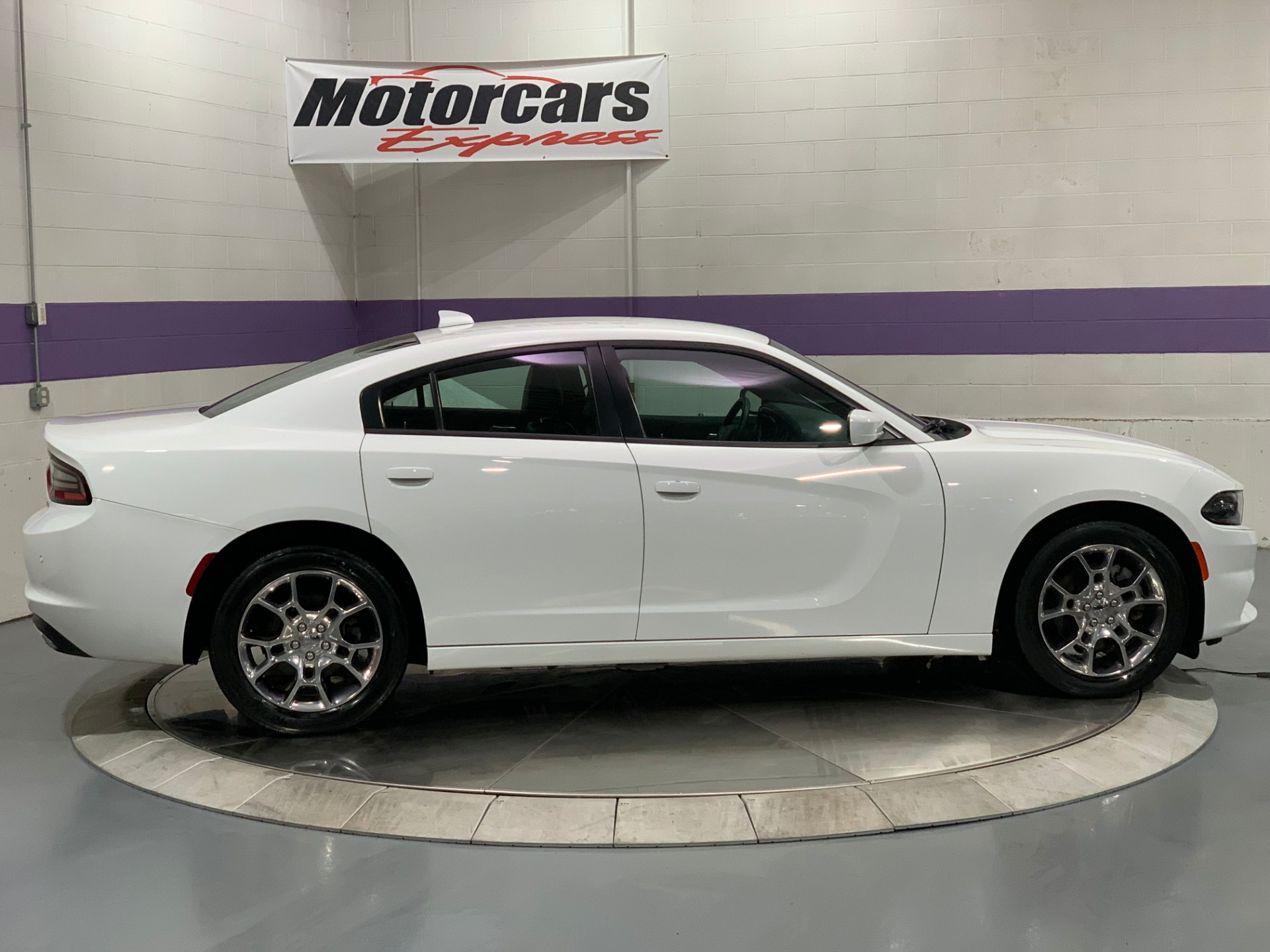 Used-2015-Dodge-Charger-SXT