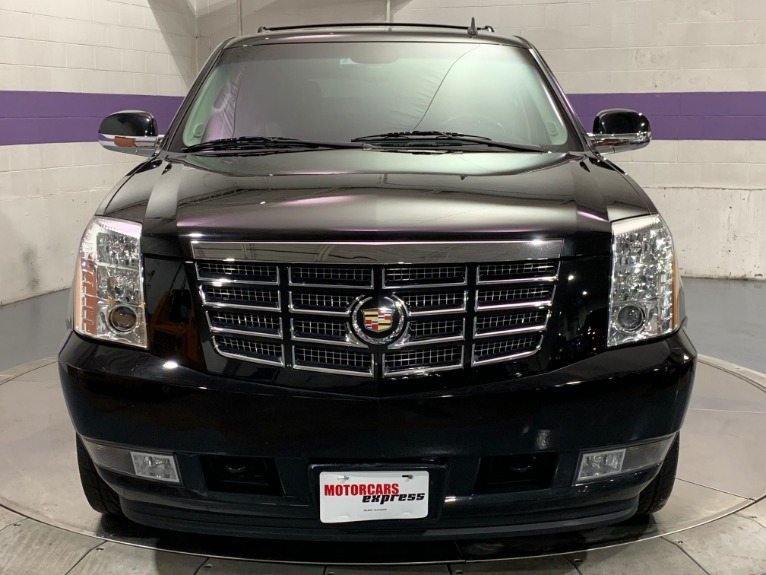 Used-2012-Cadillac-Escalade-Luxury