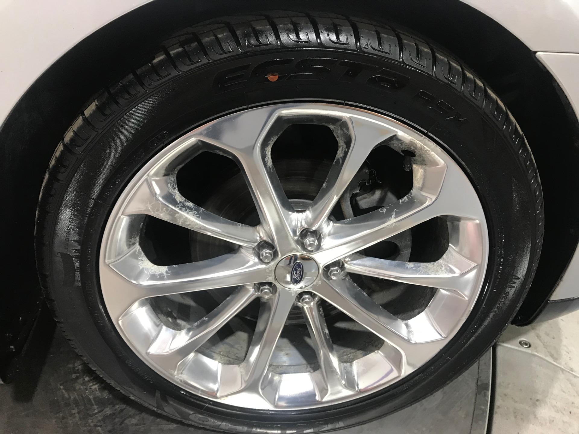 Used-2013-Ford-Taurus-Limited