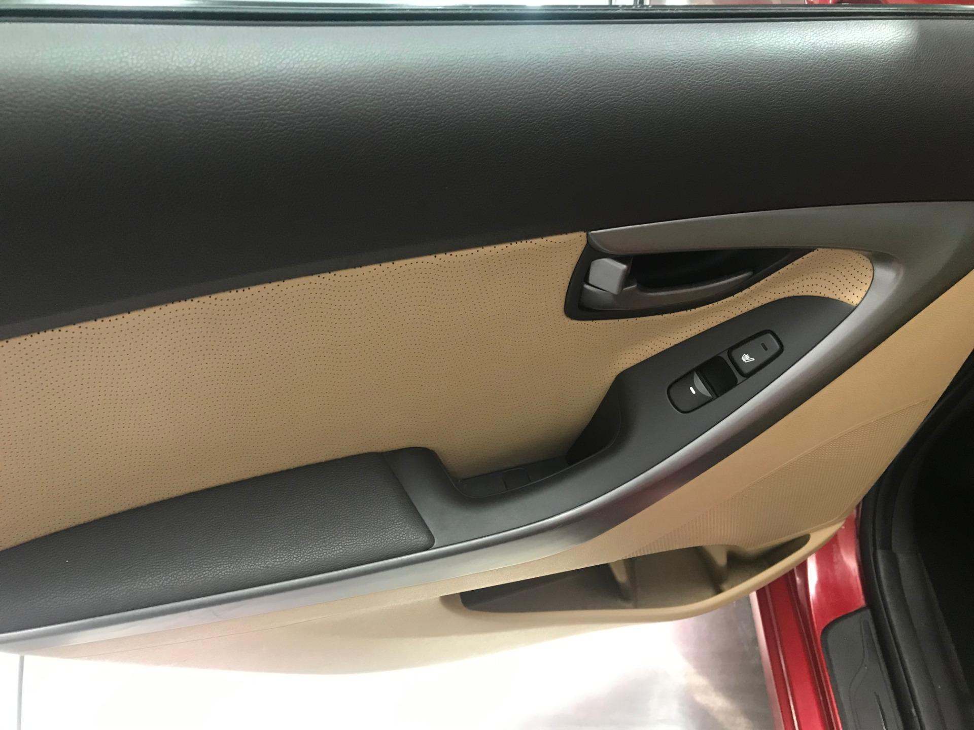 Used-2011-Hyundai-Elantra-Limited