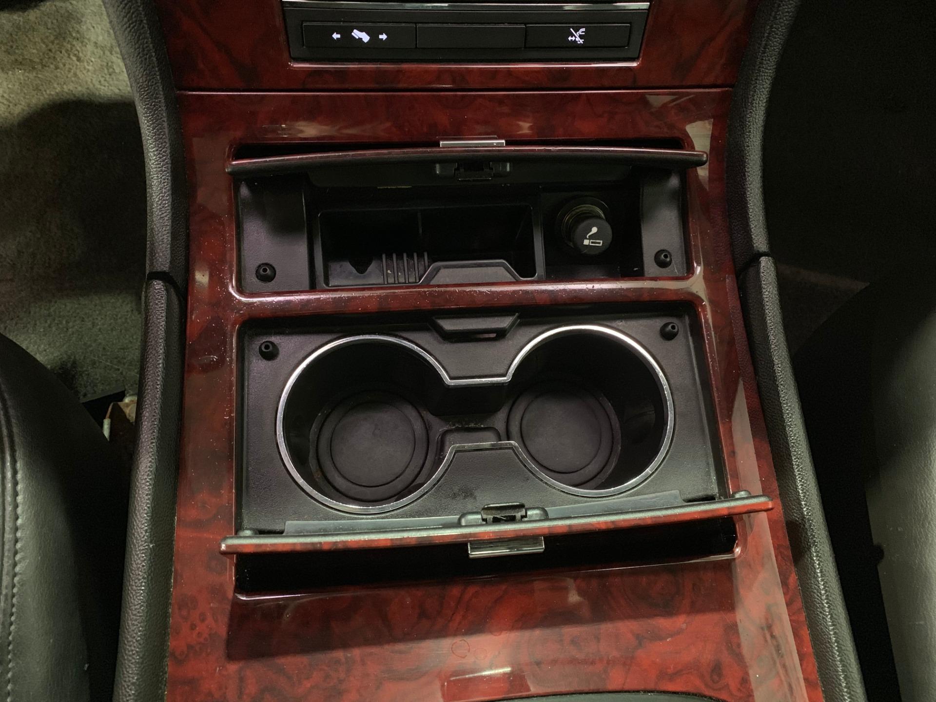 Used-2010-Cadillac-Escalade-ESV-Premium