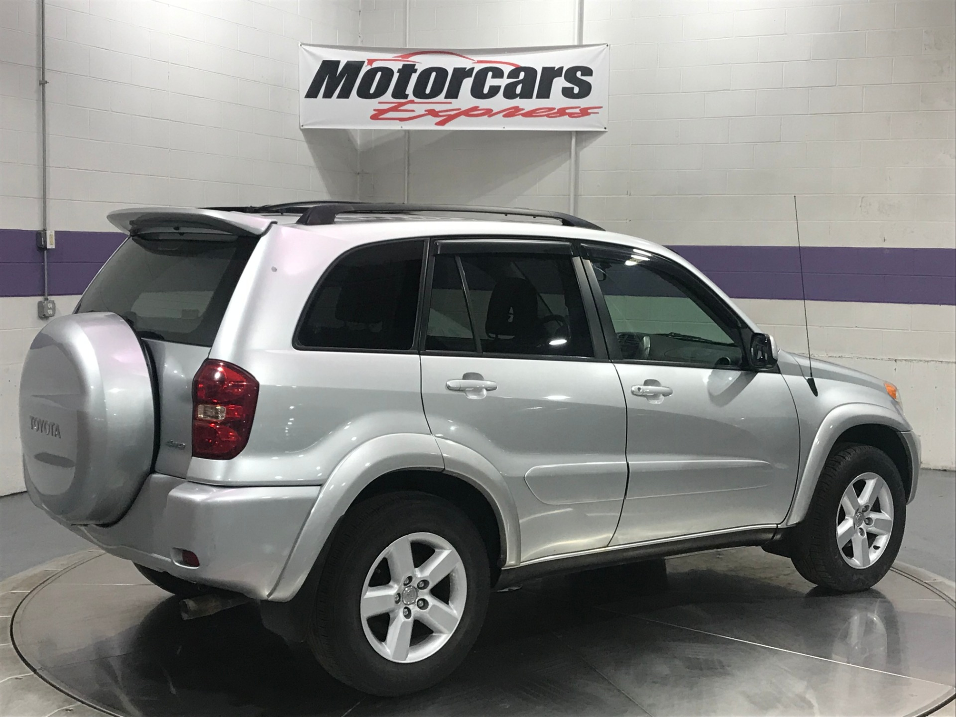 Used-2005-Toyota-RAV4