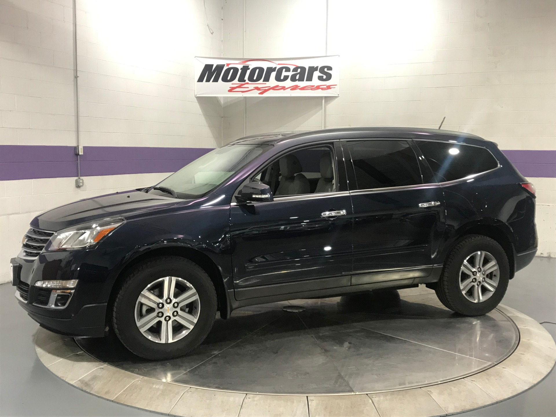 Used-2016-Chevrolet-Traverse-LT