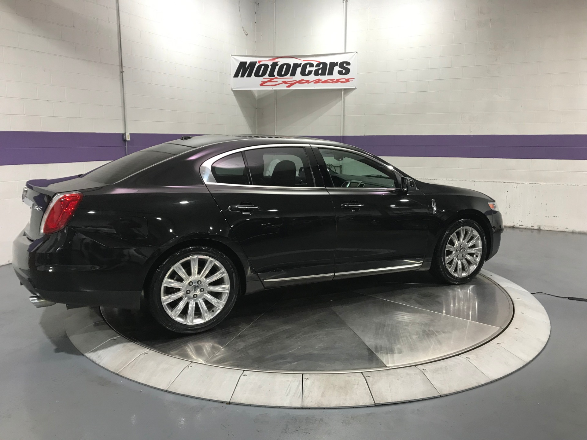 Used-2010-Lincoln-MKS-EcoBoost