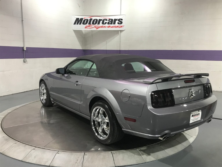 Used-2007-Ford-Mustang-GT-Convertible-Premium