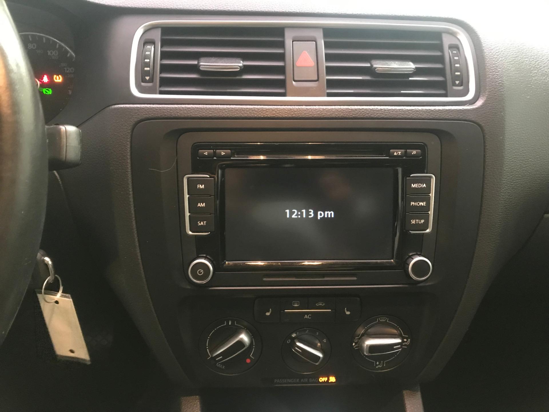 Used-2012-Volkswagen-Jetta-SE