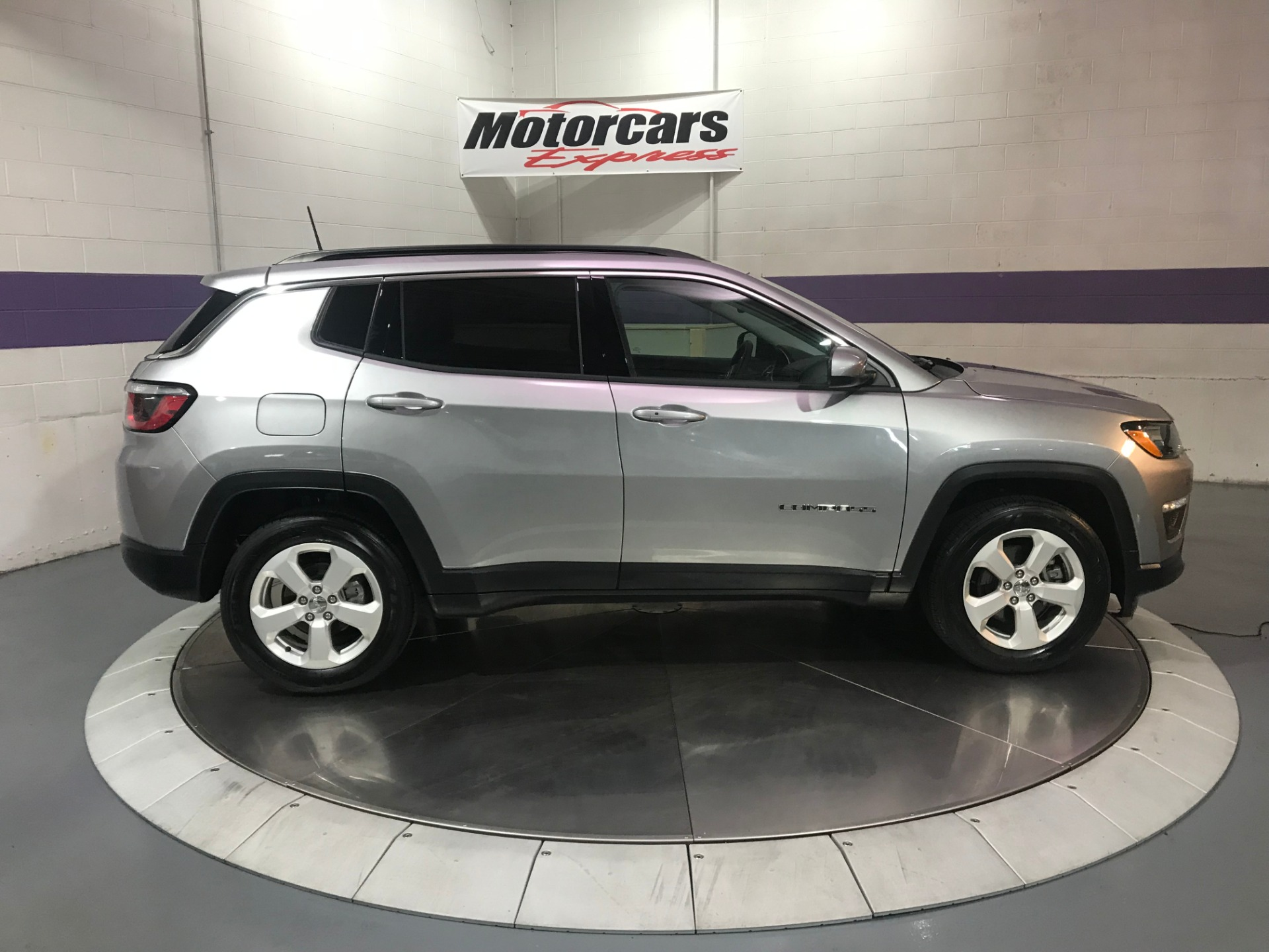 Used-2018-Jeep-Compass-Latitude