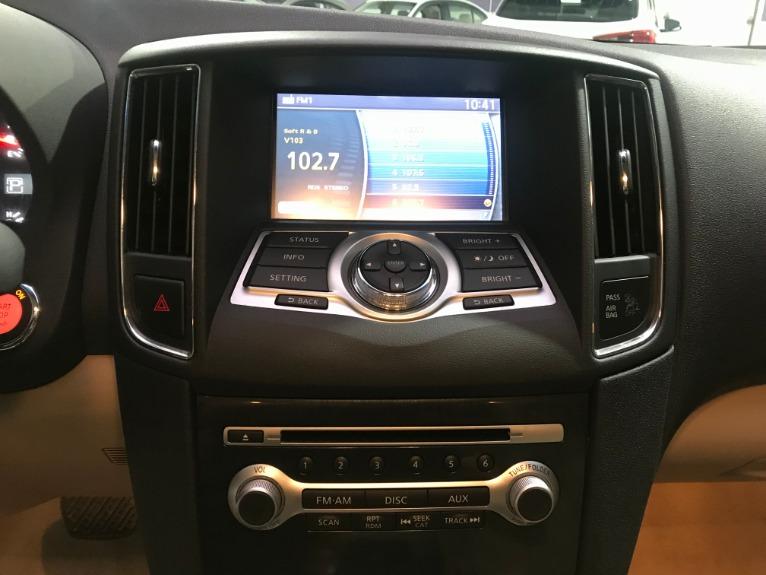 Used-2014-Nissan-Maxima-35-SV