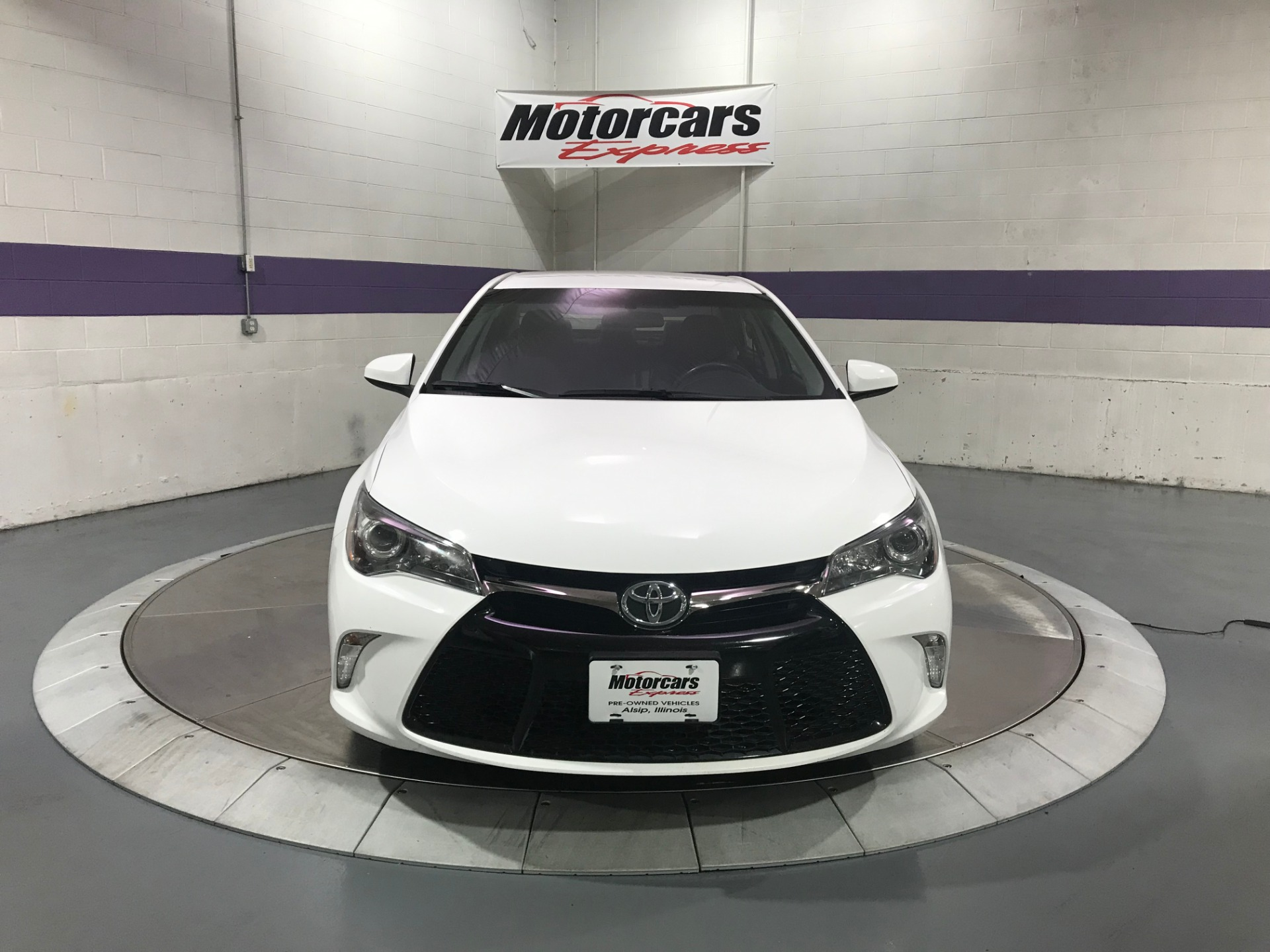 Used-2017-Toyota-Camry-SE-FWD